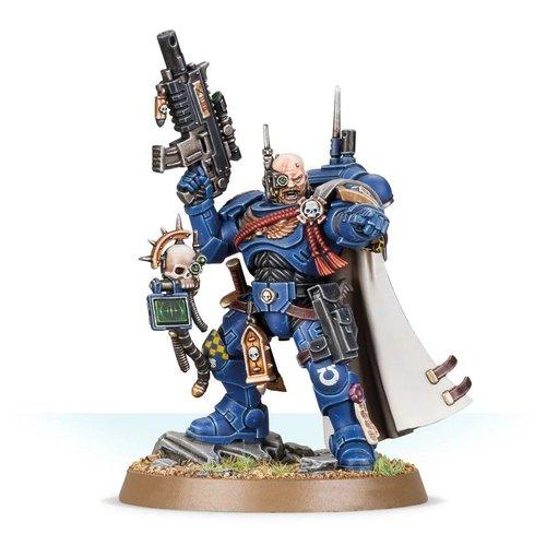 Warhammer 40k Captain in Phobos Armor