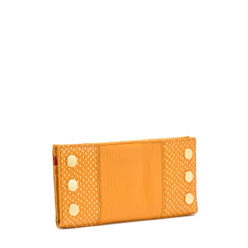 110 North Wallet Apricot Tan