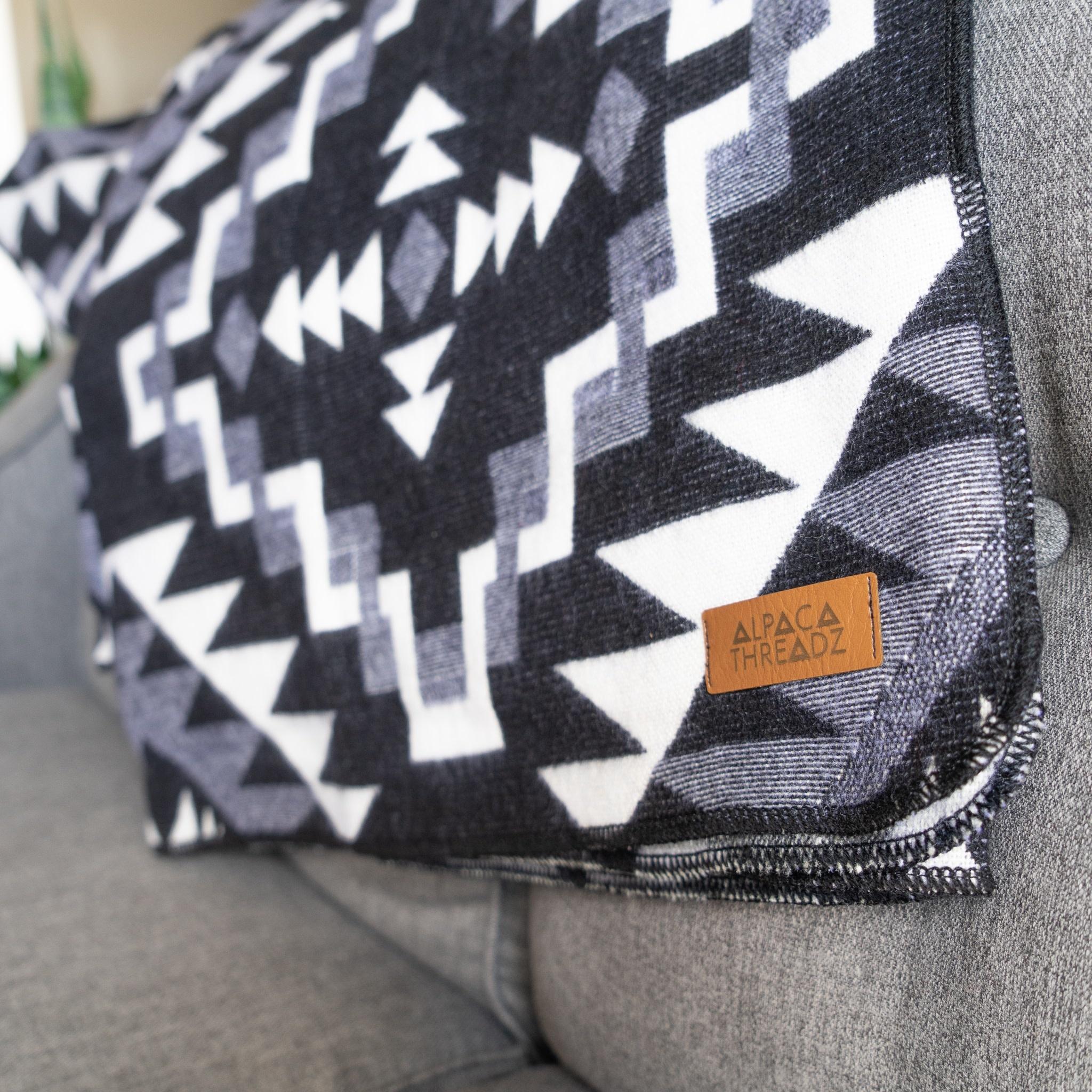 Andean Alpaca Blanket - Black Chakana