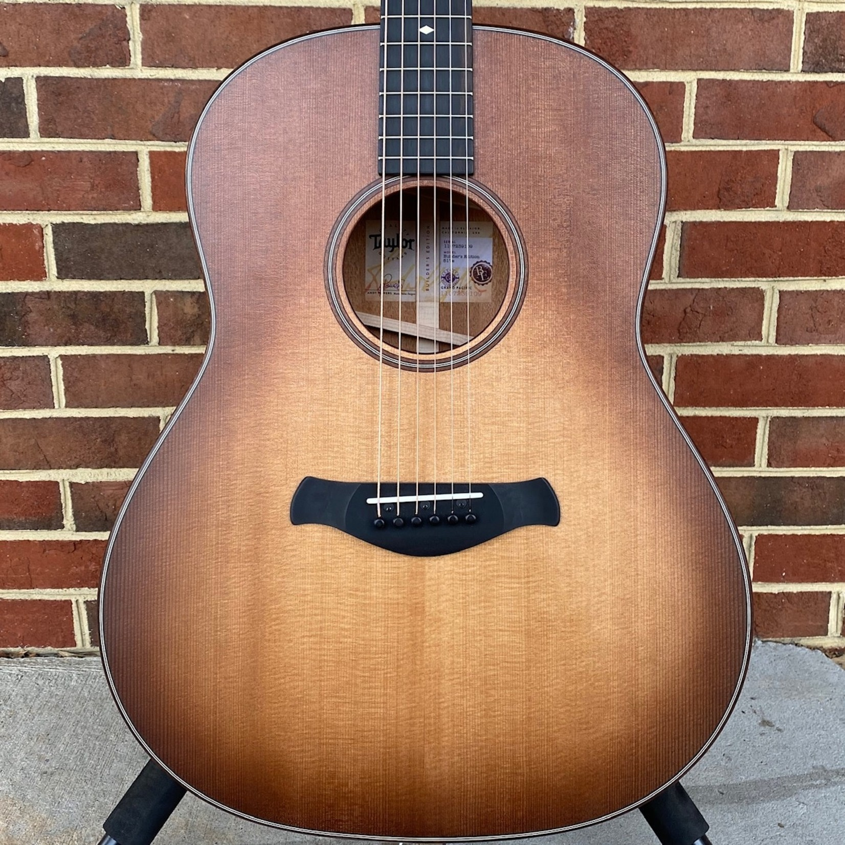 Taylor Taylor Builder's Edition 517e, Grand Pacific, V-Class, Torrefied Sitka Spruce Top, Neo-Tropical Mahogany Back and Sides, ES2 Electronics, Wild Honey Burst