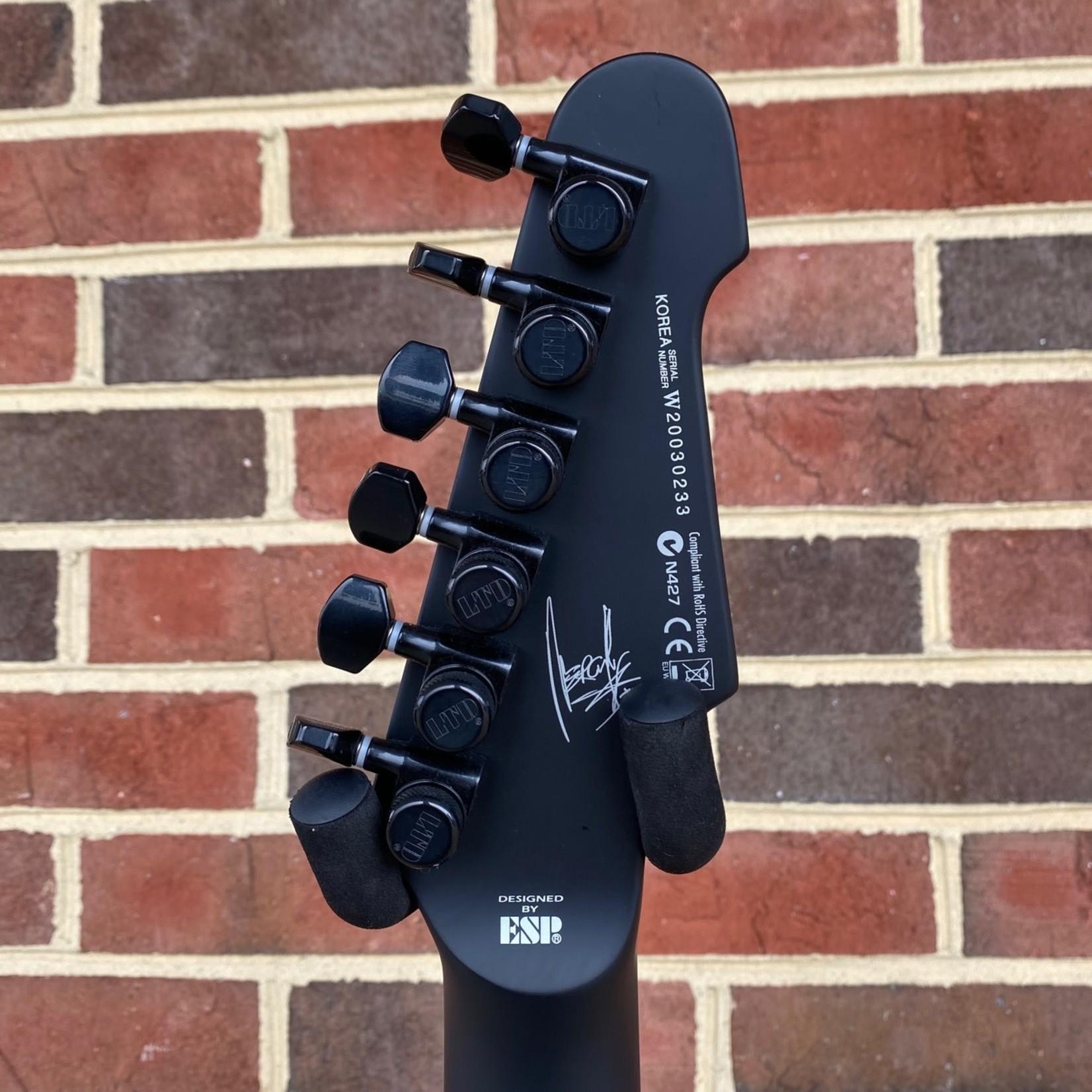 ESP ESP LTD NS-6BLKS, Nergal Signature, Black Satin, Stream body, Macassar Ebony Fretboard, Fishman Fluence Modern Pickups, Hardshell Case