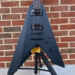LTD ESP LTD Vulture, James Hetfield Signature Model, Black Satin, EMG JH Set, Macassar Ebony Fretboard, Black Satin Hardware, Hardshell Case