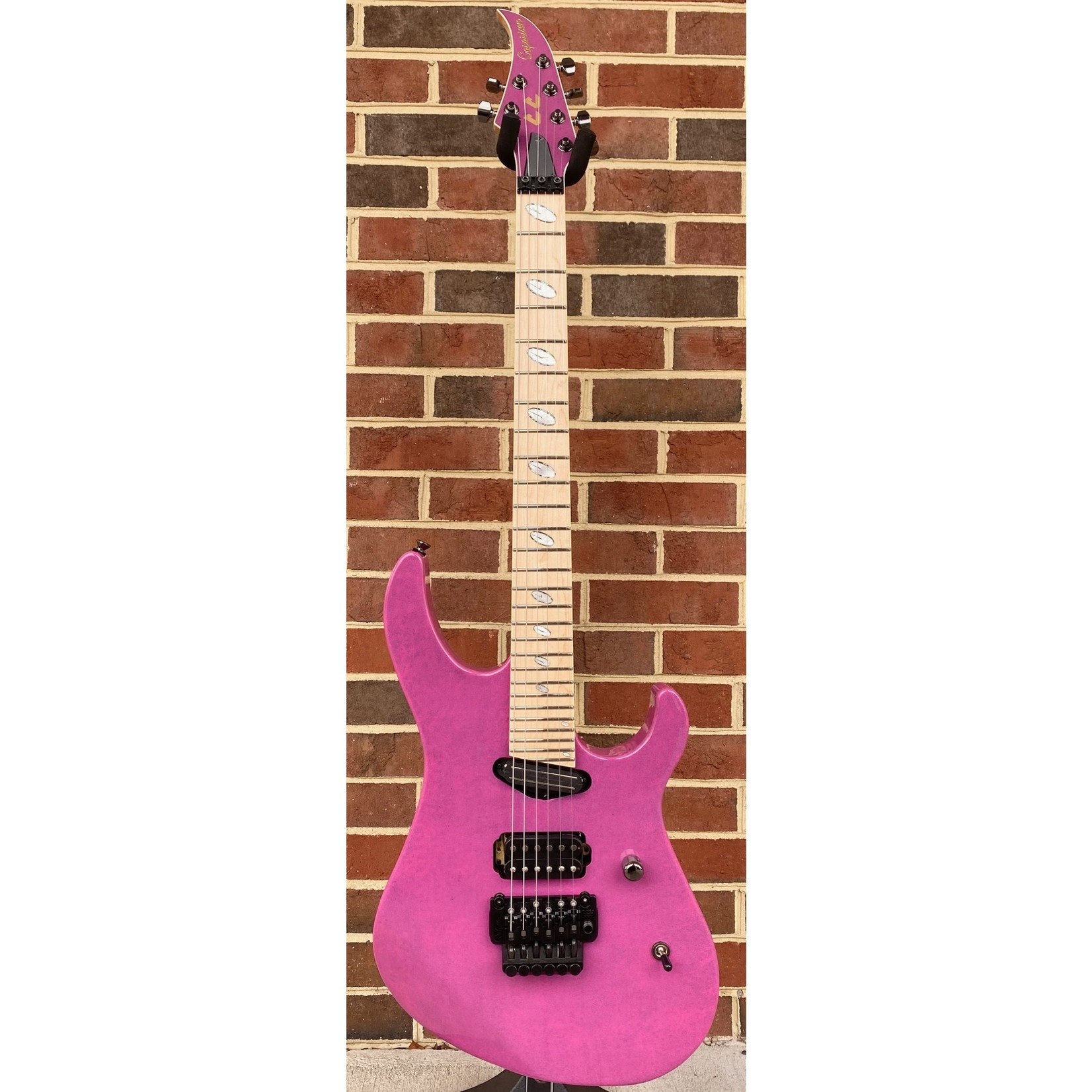Caparison Guitars Caparison Horus-M3 CC Courtney Cox Signature Model, Pink Sapphire