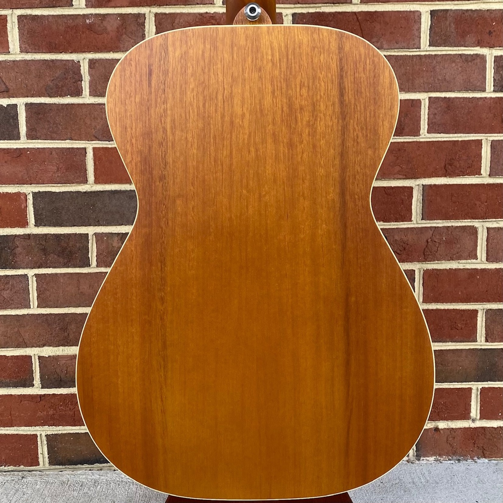 Maton Maton EBG808TE, Solid AAA Spruce Top, Solid Queensland Maple Back and Sides, AP5 PRO Pickup, Hardcase Included