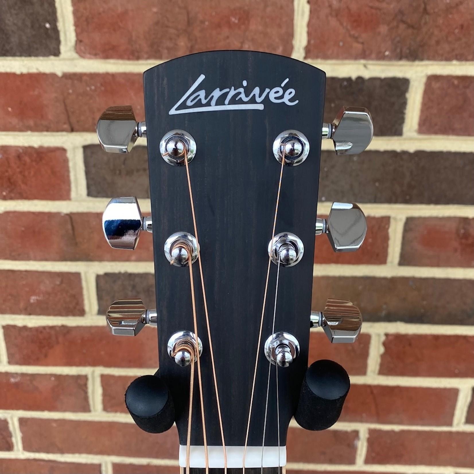 Larrivee Larrivee D-03R, Sitka Spruce Top, Indian Rosewood Back & Sides, Maple Binding, Ebony Bridge & Fretboard, Bone Nut & Saddle, Hardshell Case
