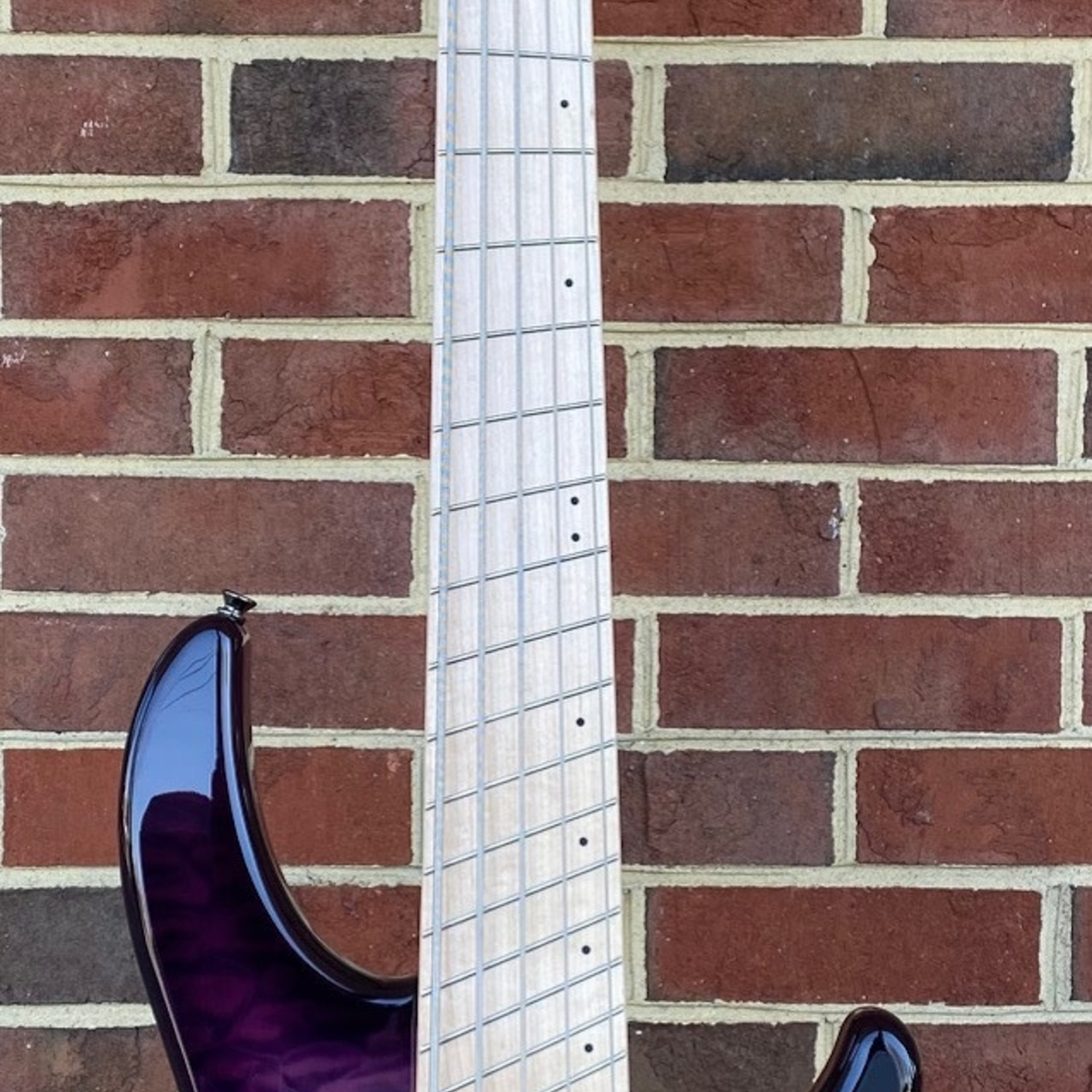 Dingwall Dingwall Combustion 5-String, 3x Pickups, Ultra Violet, Quilted Maple Top, Swamp Ash Body, Maple Fretboard, Dingwall Gig Bag, SN# 7278