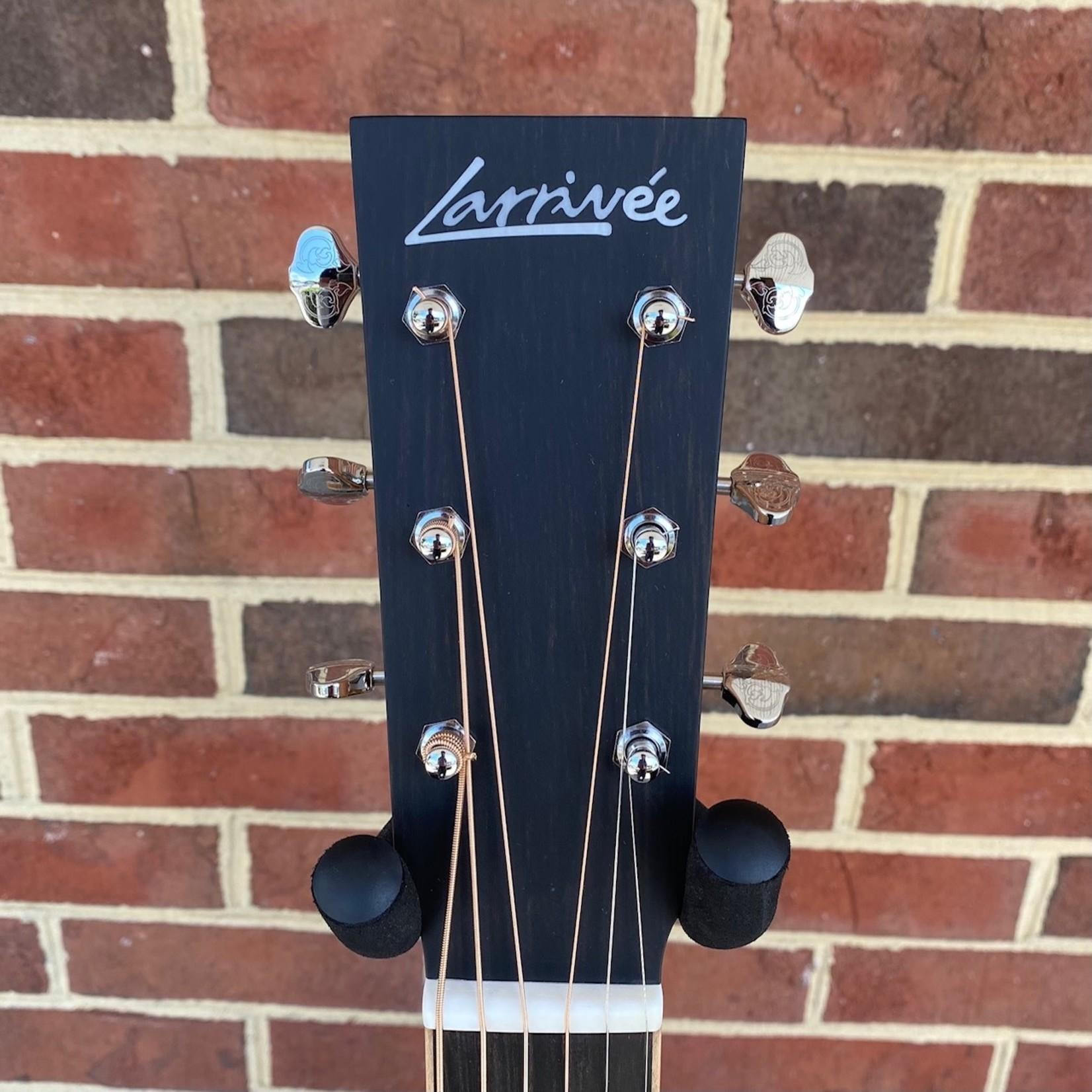 Larrivee Larrivee OM-40E, Sitka Spruce Top, Mahogany Back & Sides, Ebony Bridge & Fretboard, Maple Binding, LR Baggs Stage Pro Element, Hardshell Case