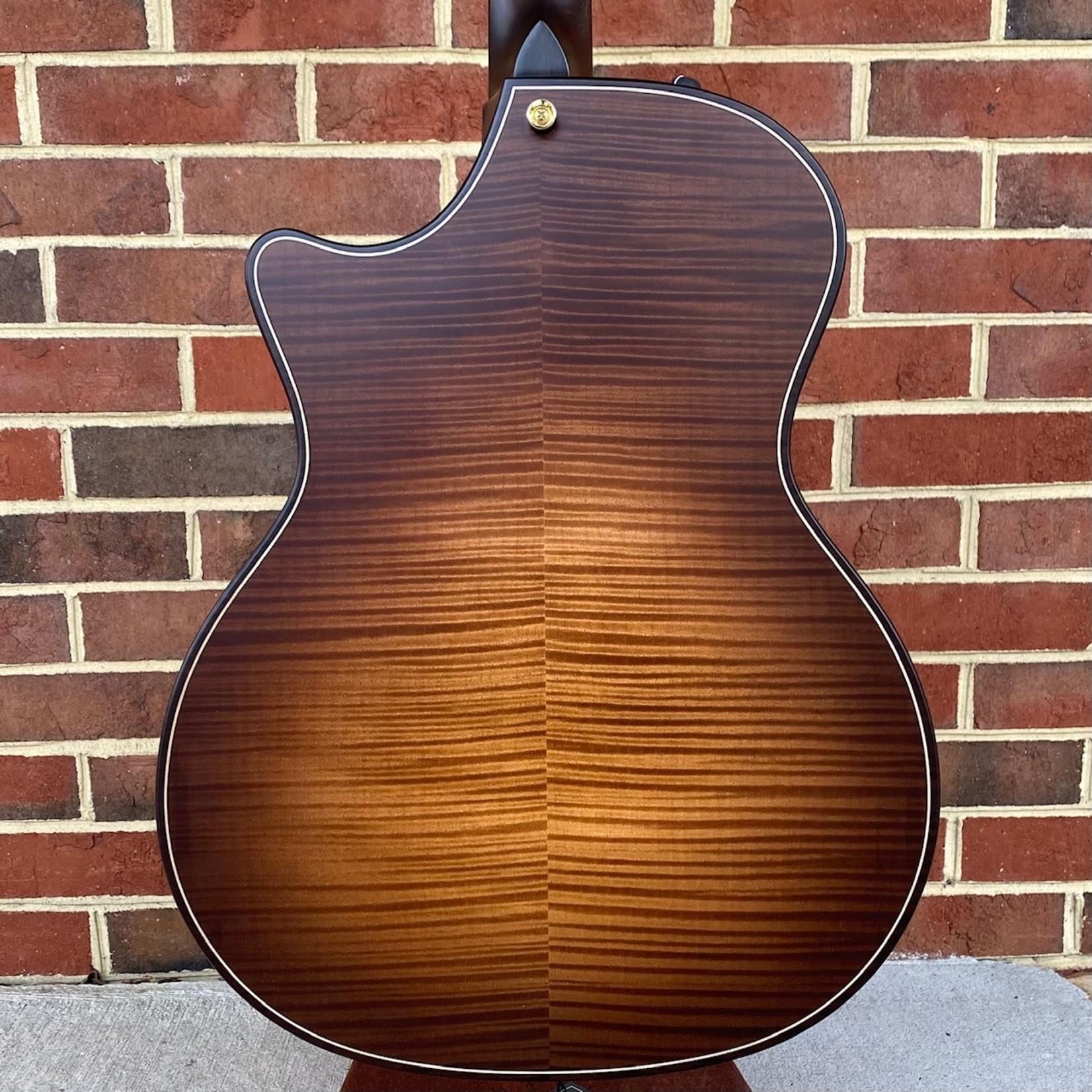 Taylor Taylor 614ce Builder's Edition,  Torrefied Sitka Spruce Top, Figured Big Leaf Maple Back & Sides, Expression System 2, Hardshell Case