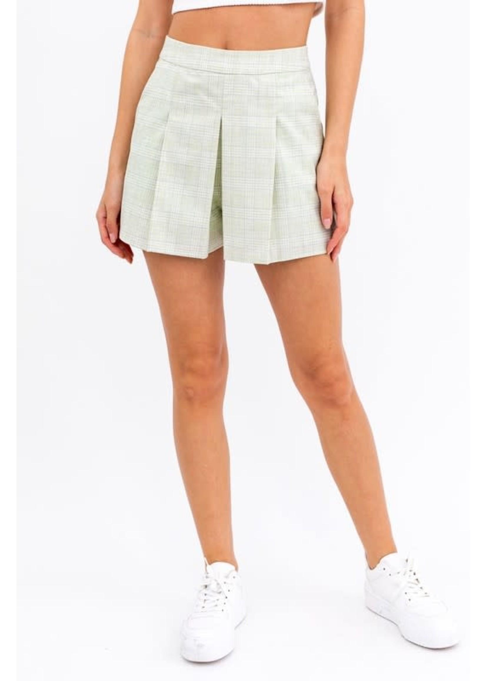 Le Lis Pleated Detail Shorts - SP6740