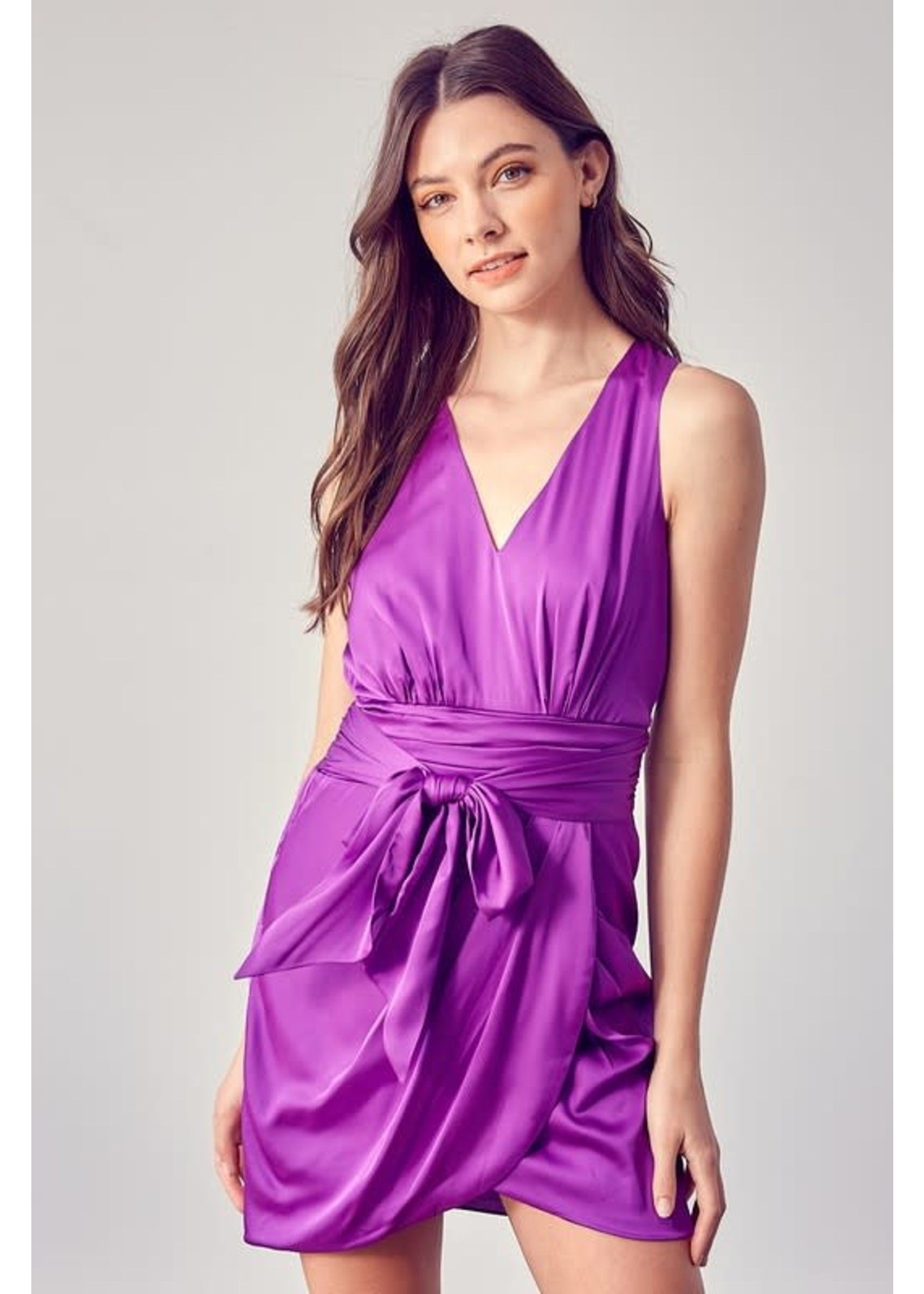 DO + BE V-Neck Front Tying Dress with Bow - GY0973