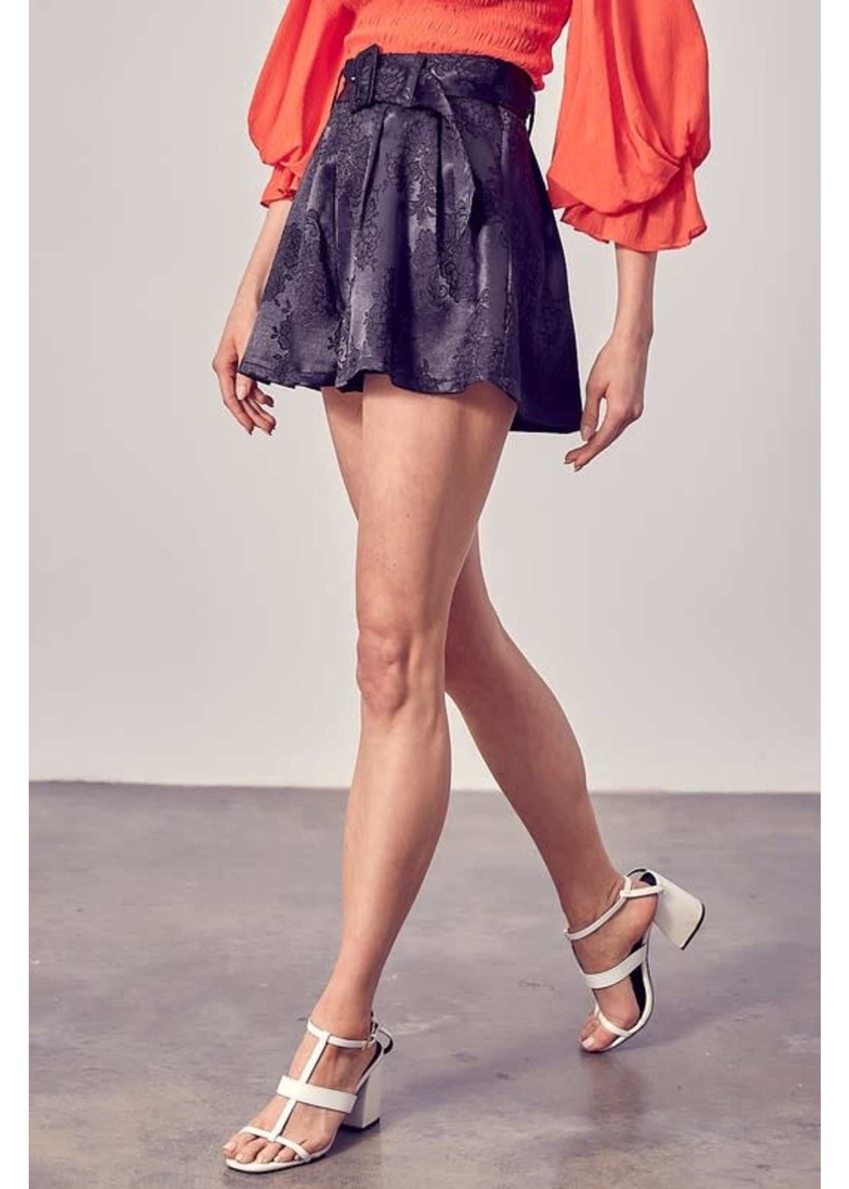 DO + BE Belted Floral Shorts - Y20021