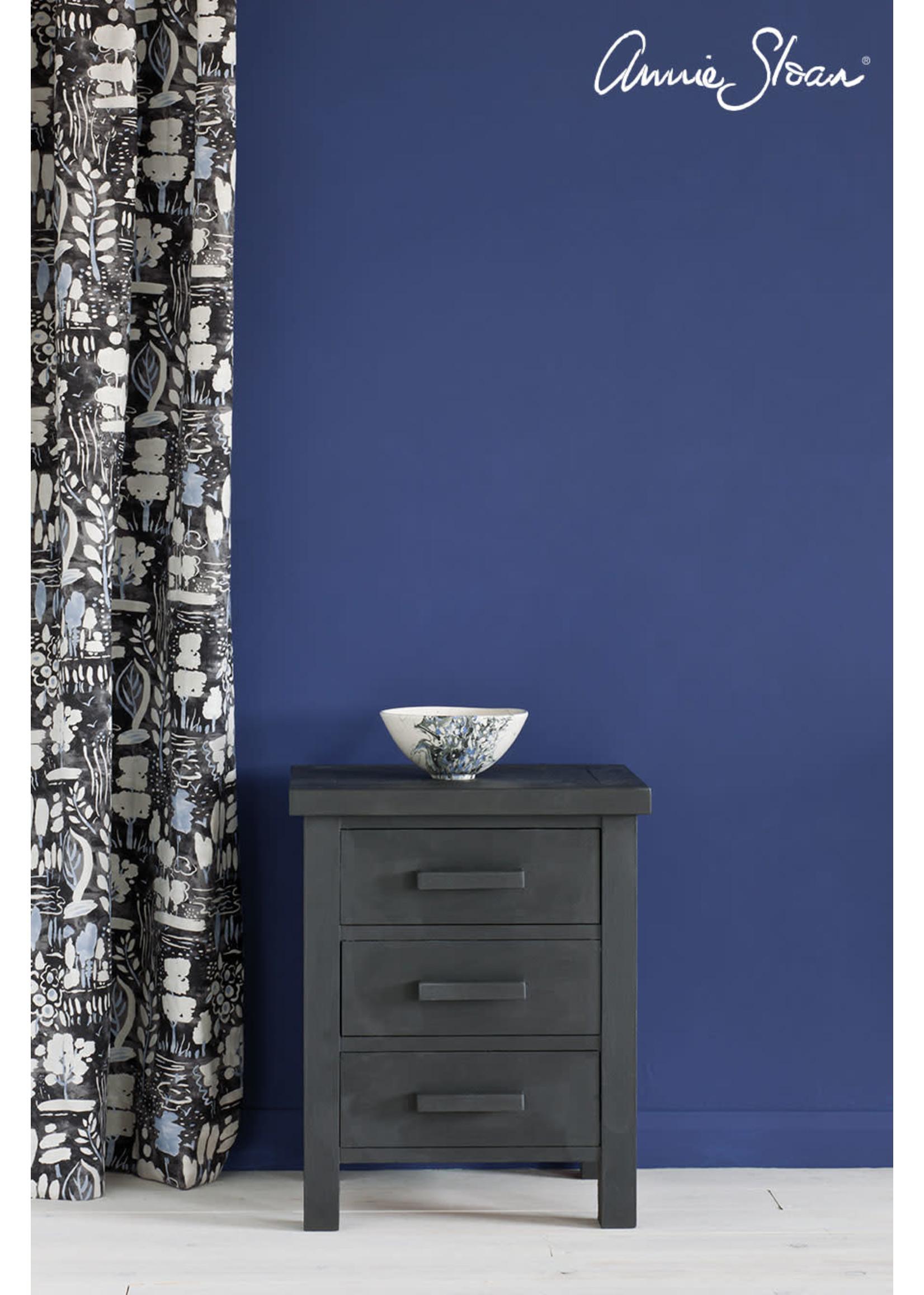 Annie Sloan Chalk Paint® Graphite Annie Sloan Chalk Paint ®