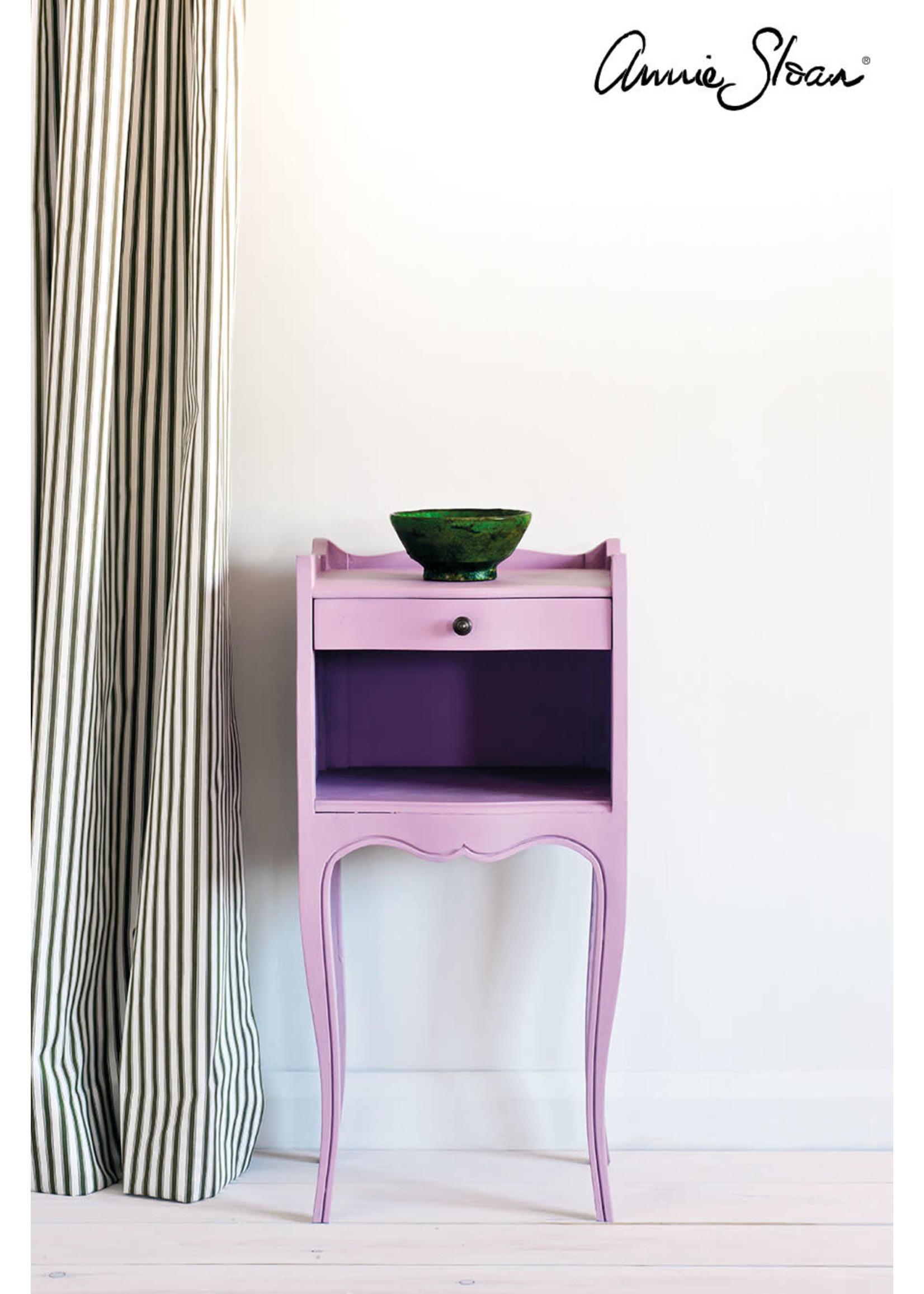 Annie Sloan Chalk Paint® Henrietta Annie Sloan Chalk Paint ®