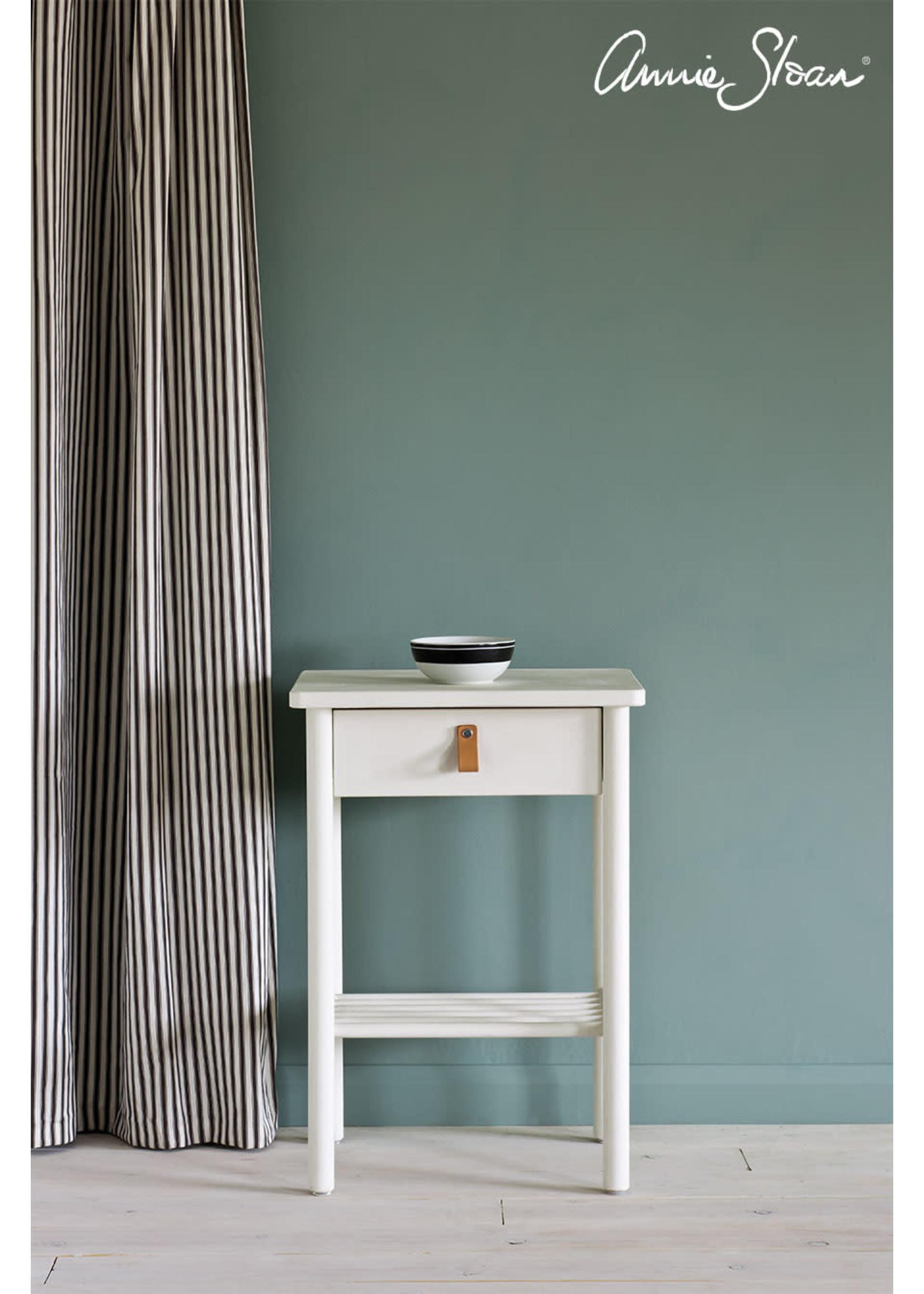 Annie Sloan Chalk Paint® Old White Annie Sloan Chalk Paint ®