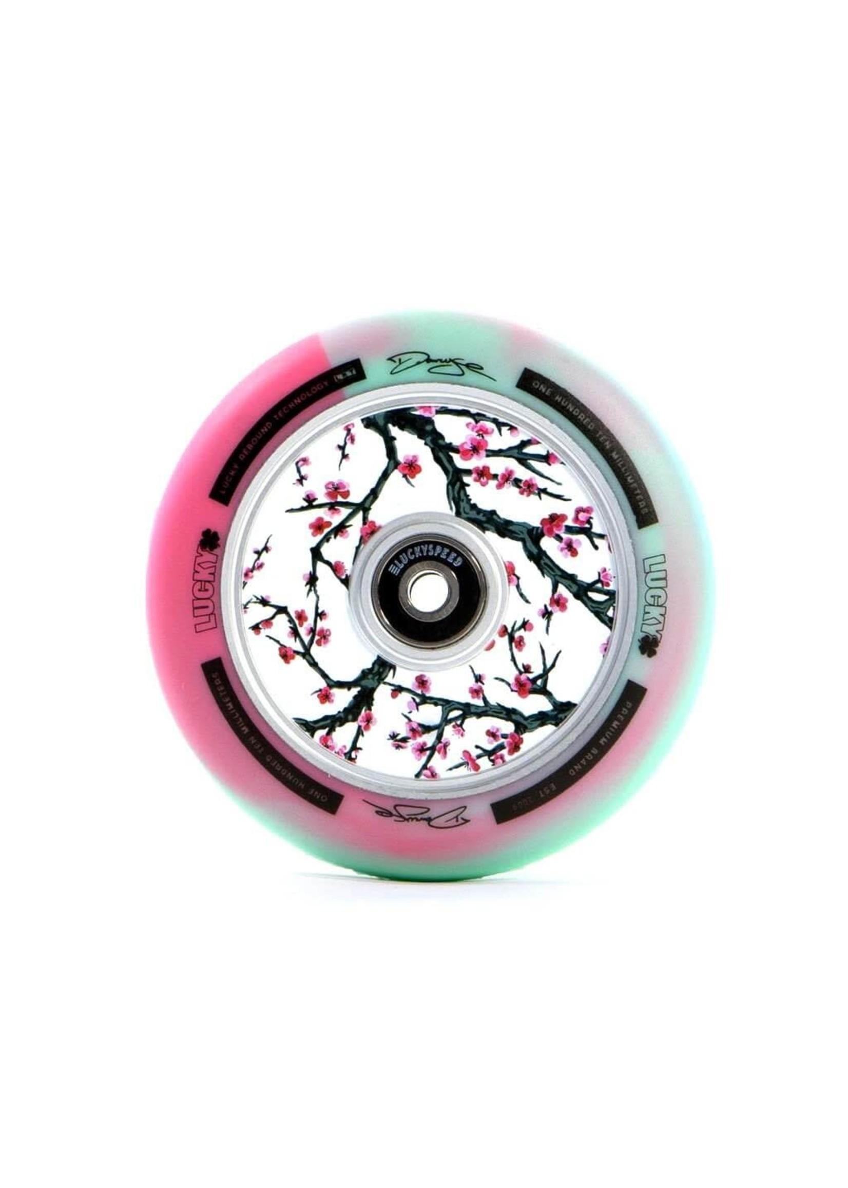 Lucky Lucky - Lunar Wheels - Darcy Cherry Evans sig.
