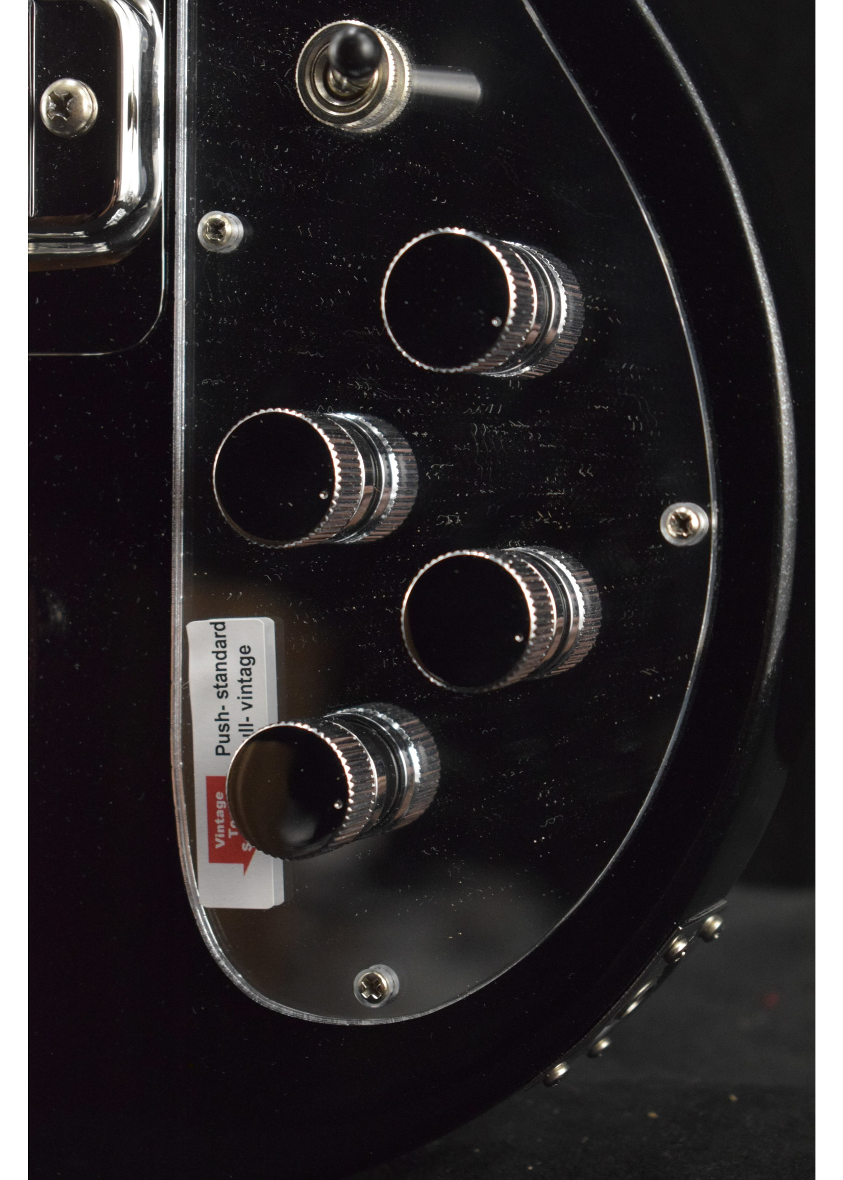 Rickenbacker Rickenbacker 4003S Maple Fretboard Jetglo Pearlstar with Molded Black Hardshell Case