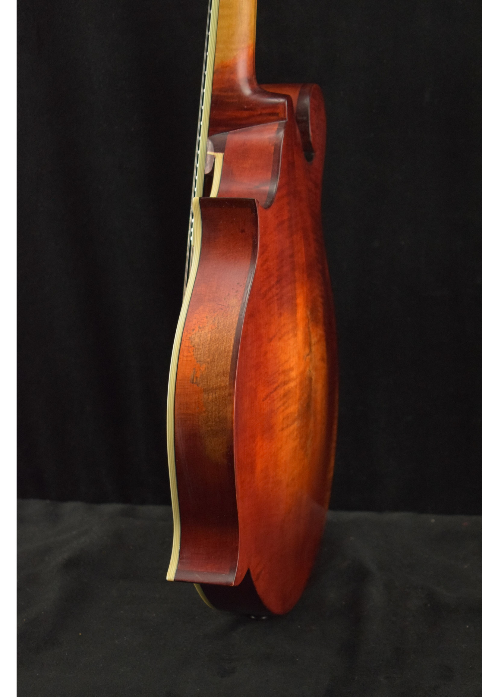 Eastman Eastman MD515/v F-Style F-Hole Mandolin Antique Varnish Finish