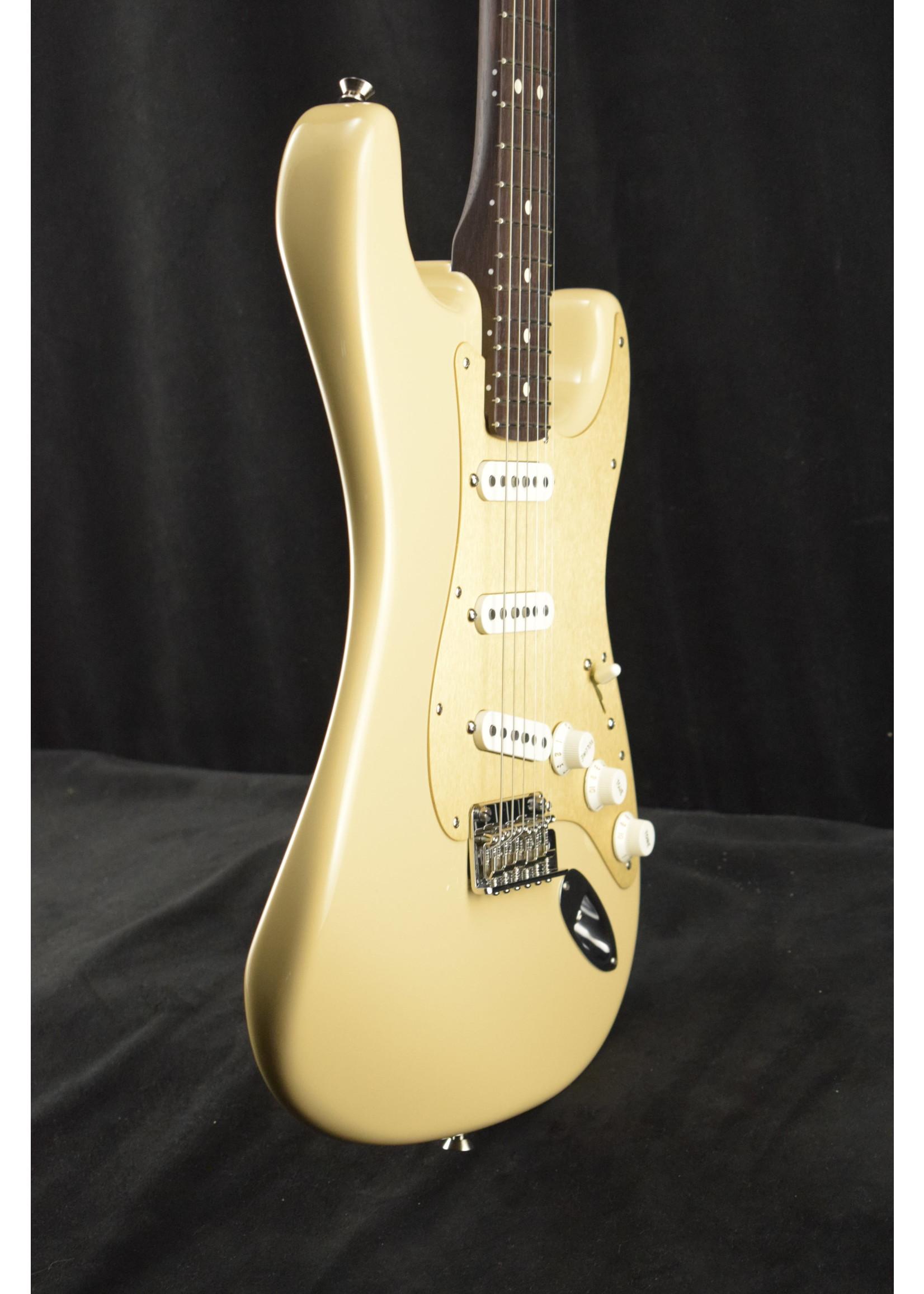Fender Fender 2019 LTD American Professional Stratocaster Solid Rosewood Neck Desert Sand