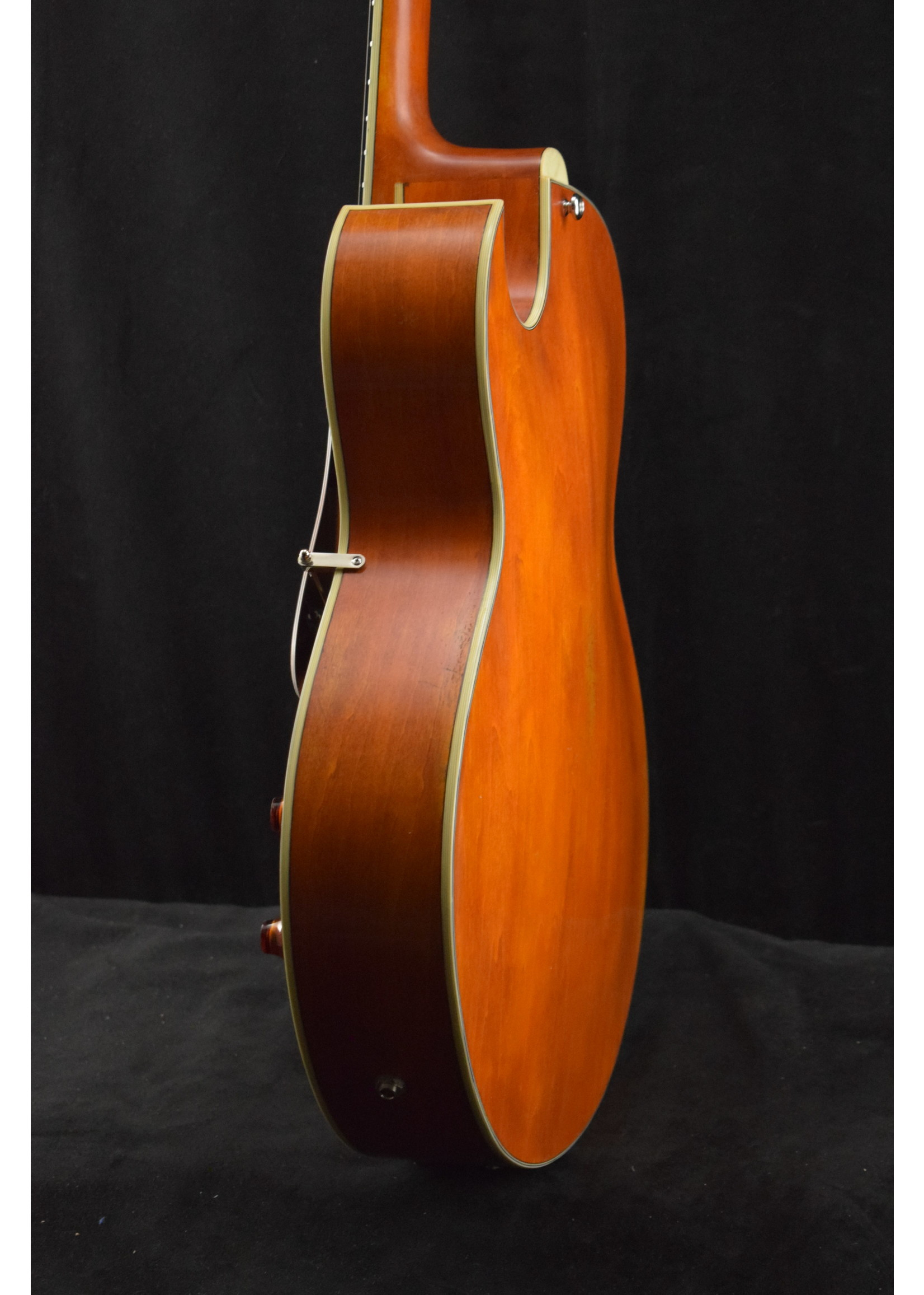 Eastman Eastman T49D/V-AMB Dual Pickup Laminate Electric Archtop Antique Varnish Amber Finish