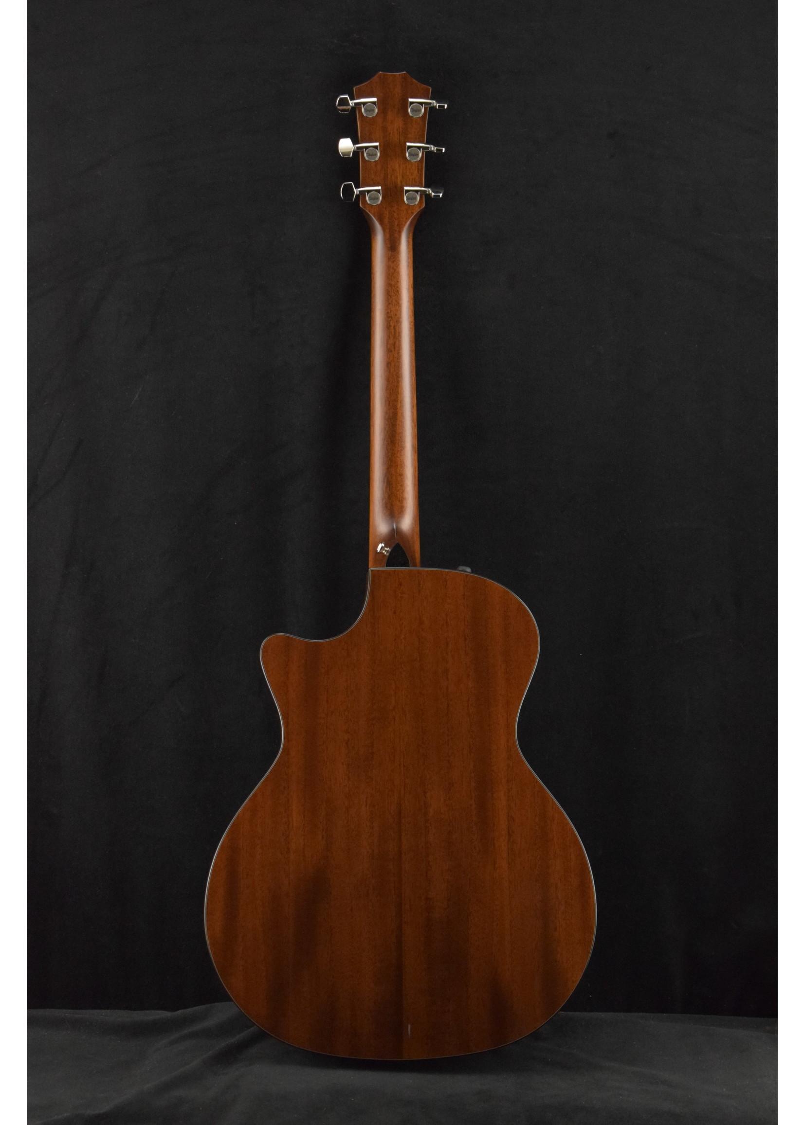 Taylor Taylor 514ce Mahogany Body / Cedar Top Natural