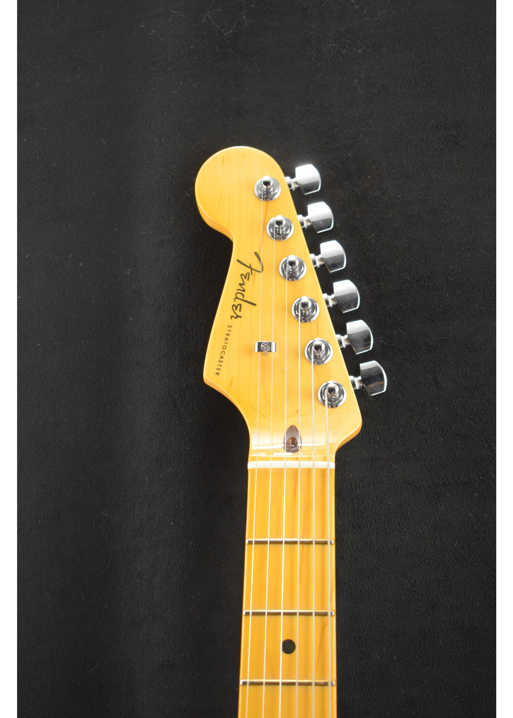 Fender Fender American Ultra Stratocaster Left-Handed with Maple Fretboard Cobra Blue