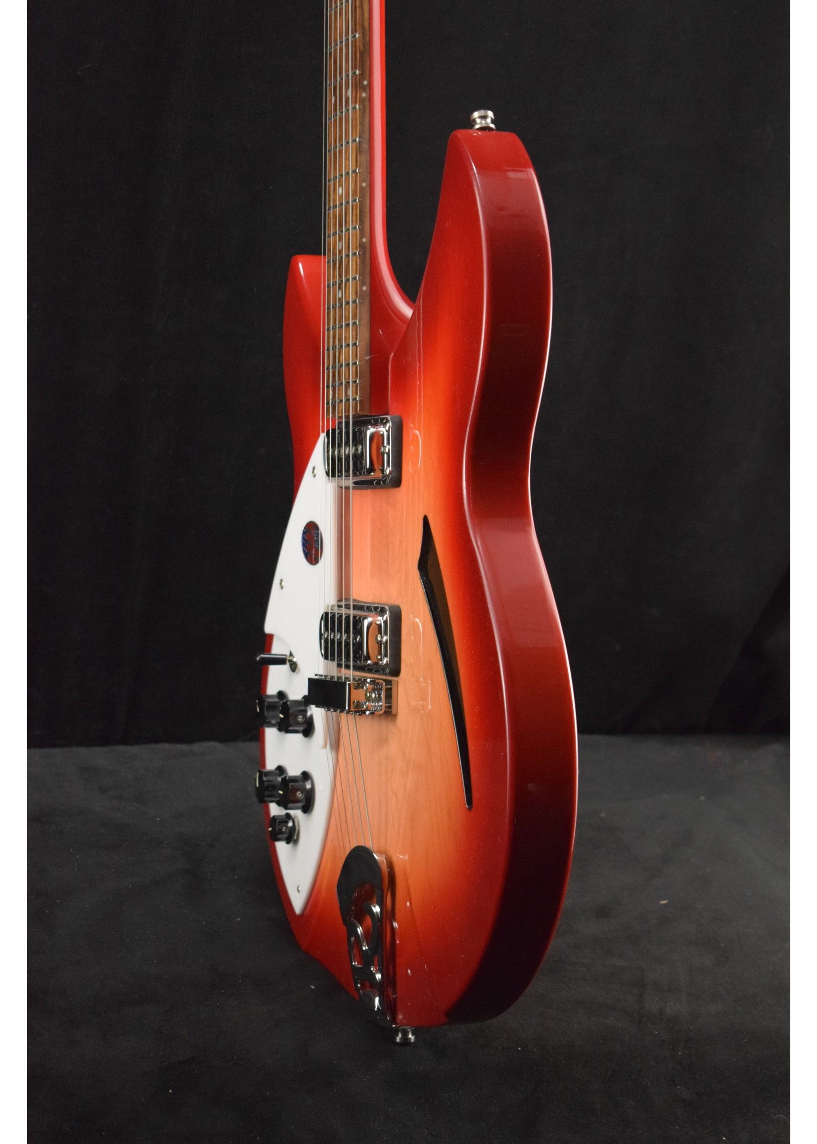 Rickenbacker Rickenbacker 330 LH Left-Handed 6-String Fireglo w/Vintage Silver Vinyl Hardshell Case