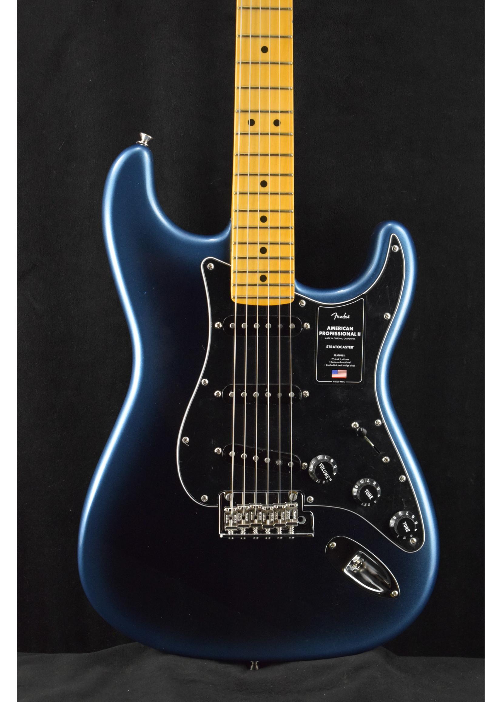 Fender Fender American Professional II Stratocaster with Maple Fretboard Dark Night