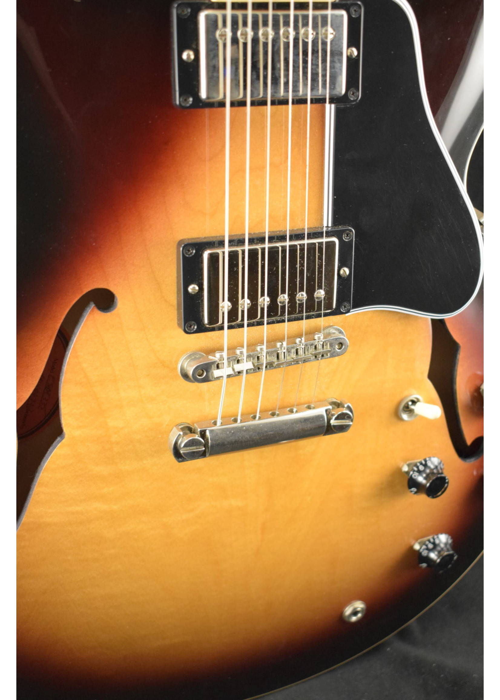 Gibson Used Gibson ES-335 Sunburst Electric Guitar 2009