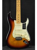 Fender Fender Player Plus Stratocaster Maple Fingerboard 3-Color Sunburst