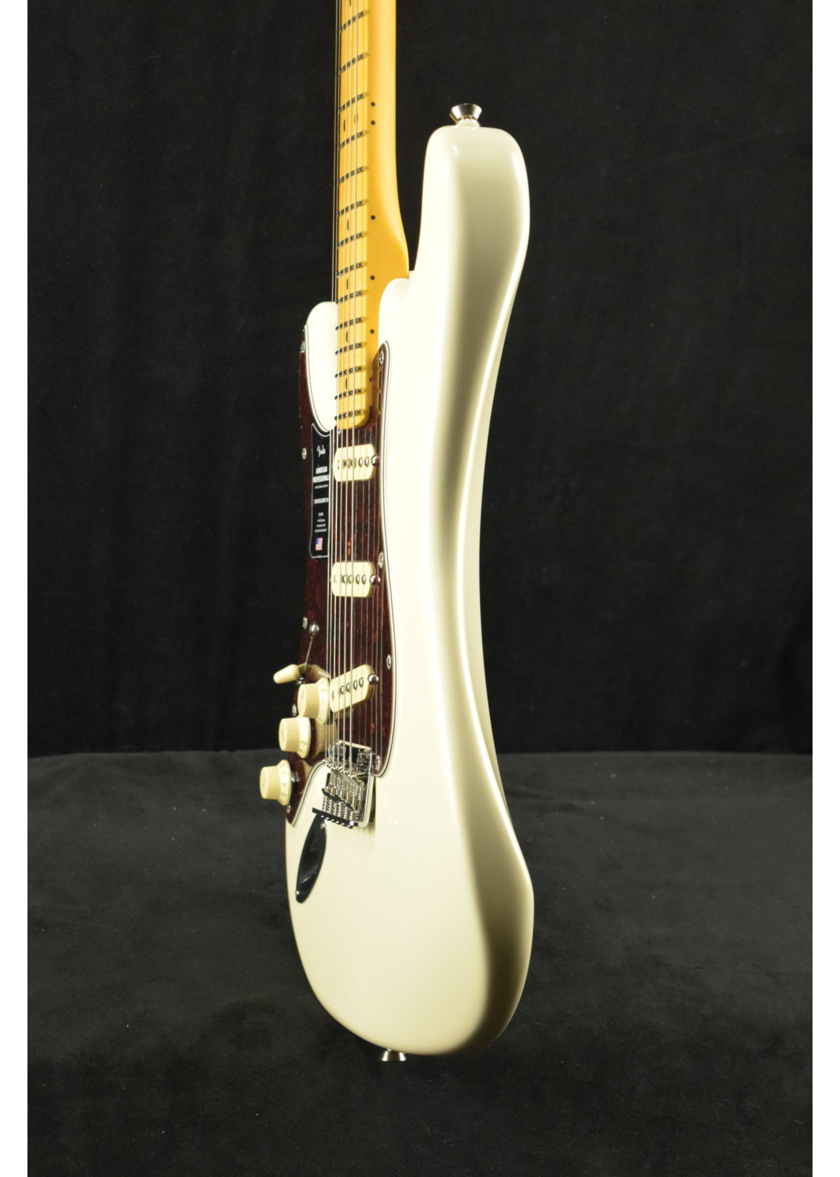 Fender American Professional II Stratocaster Left-Hand Maple Fingerboard Olympic White