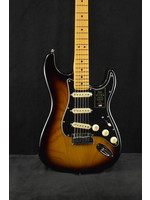 Fender Fender American Ultra Luxe Stratocaster Maple Fingerboard 2-Color Sunburst