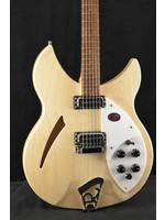 Rickenbacker Rickenbacker 330 6-String Oiled Fretboard Mapleglo