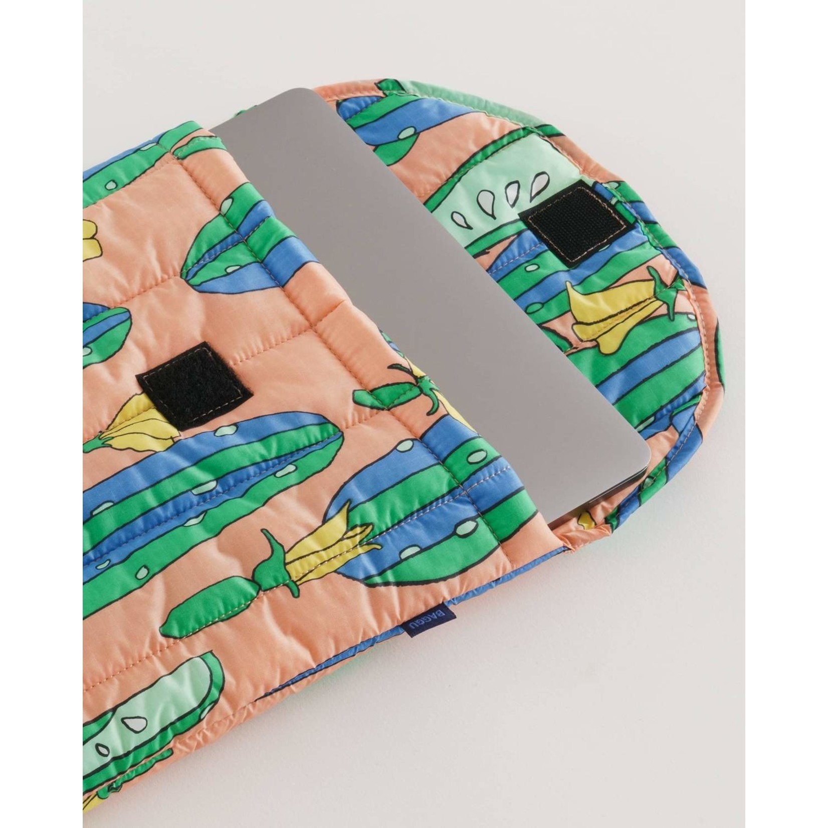 "Baggu Puffy Laptop Sleeve 13"" Cucumbers"