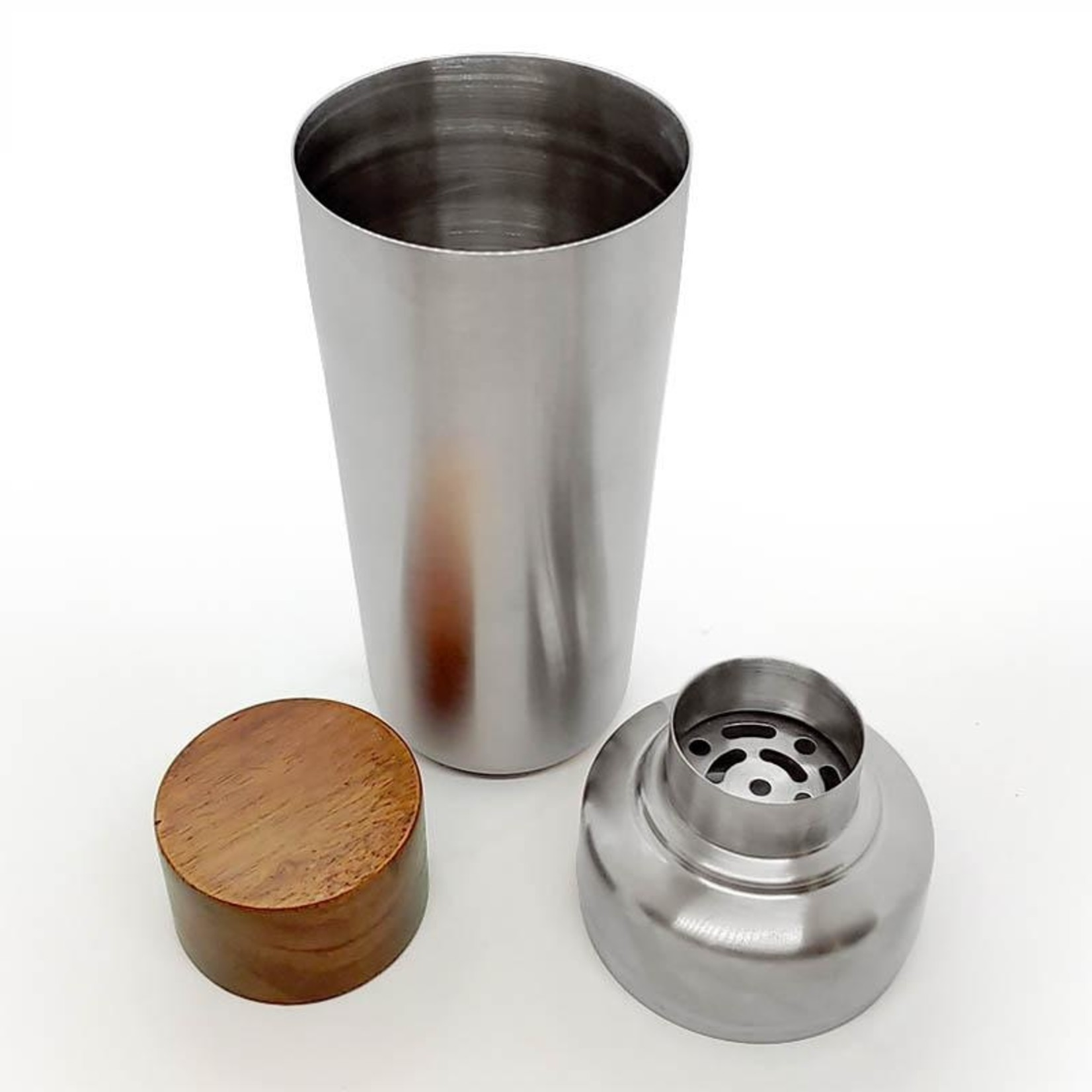 Cocktail Shaker with Wood Cap