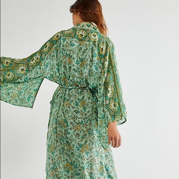 Spell Spell Folk Song Robe