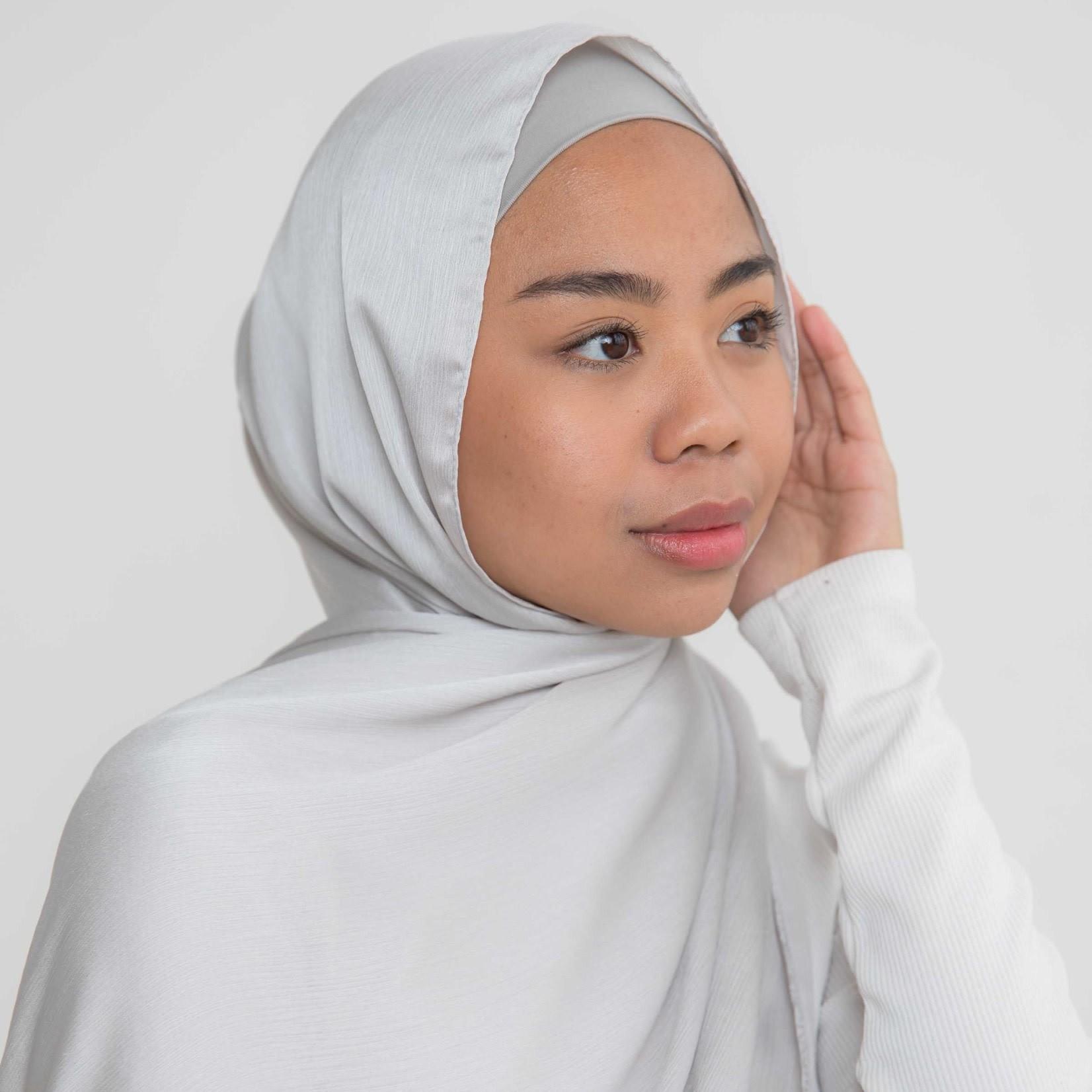 Nasiba Fashion Luxe Satin Shawl Silver