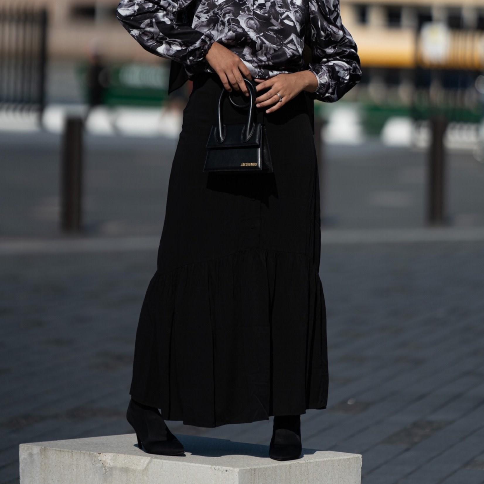 Hijab House Ruffle button skirt