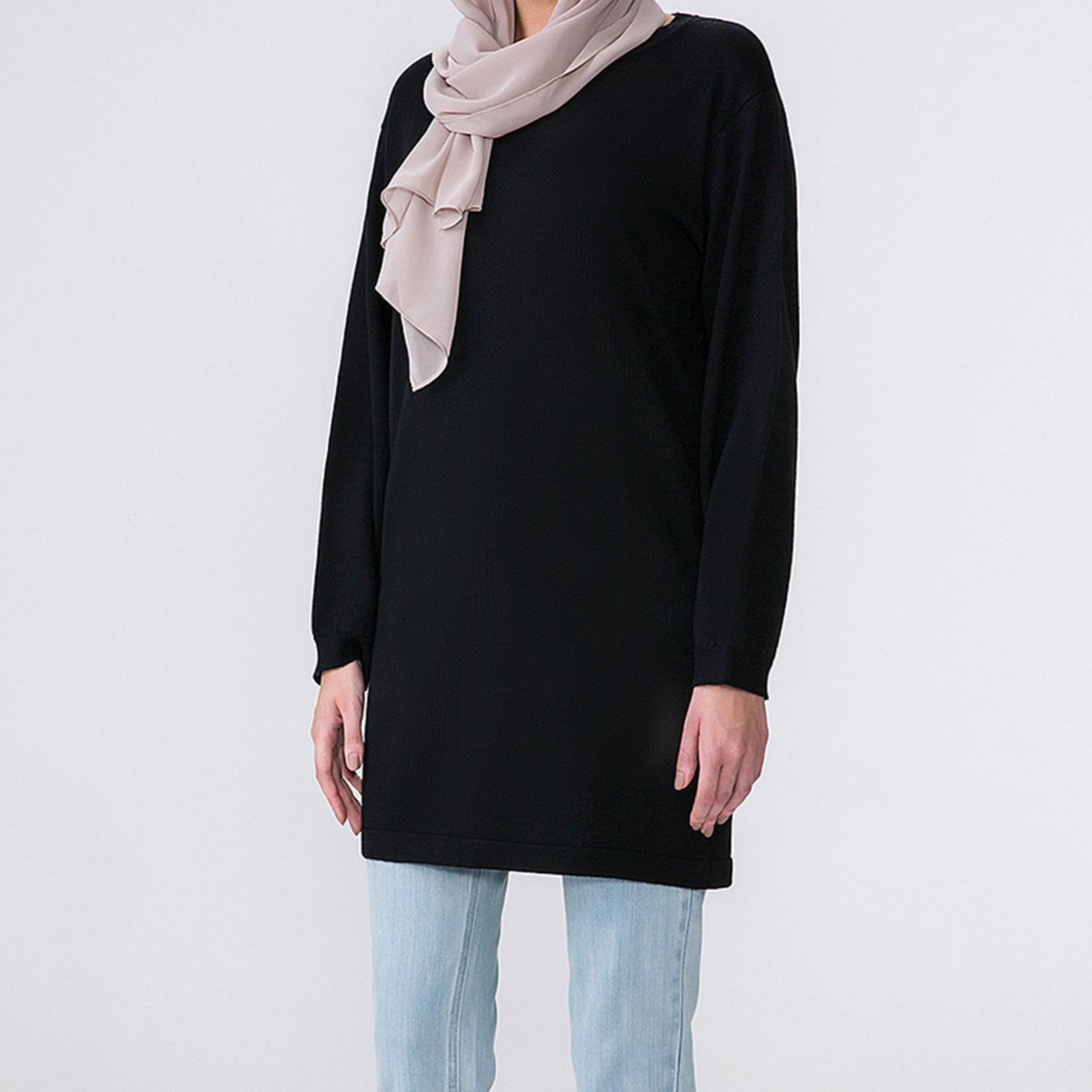 Hijab House Black Long Knit Top