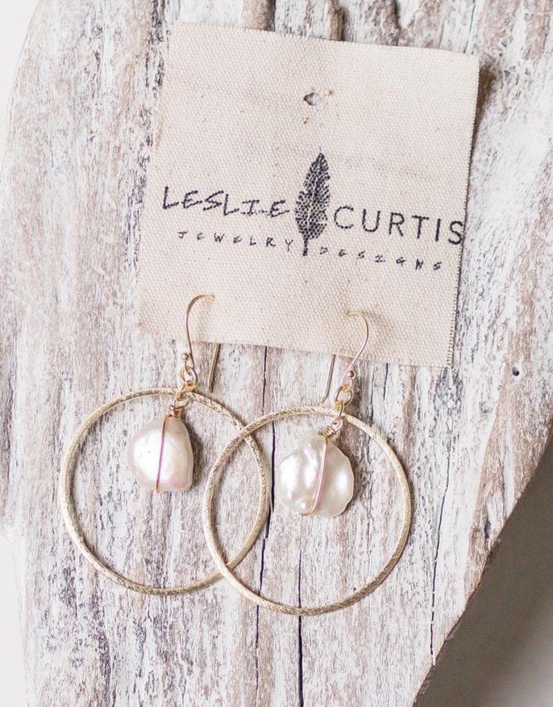 Leslie Curtis Willow Pearl & Gold Earrings
