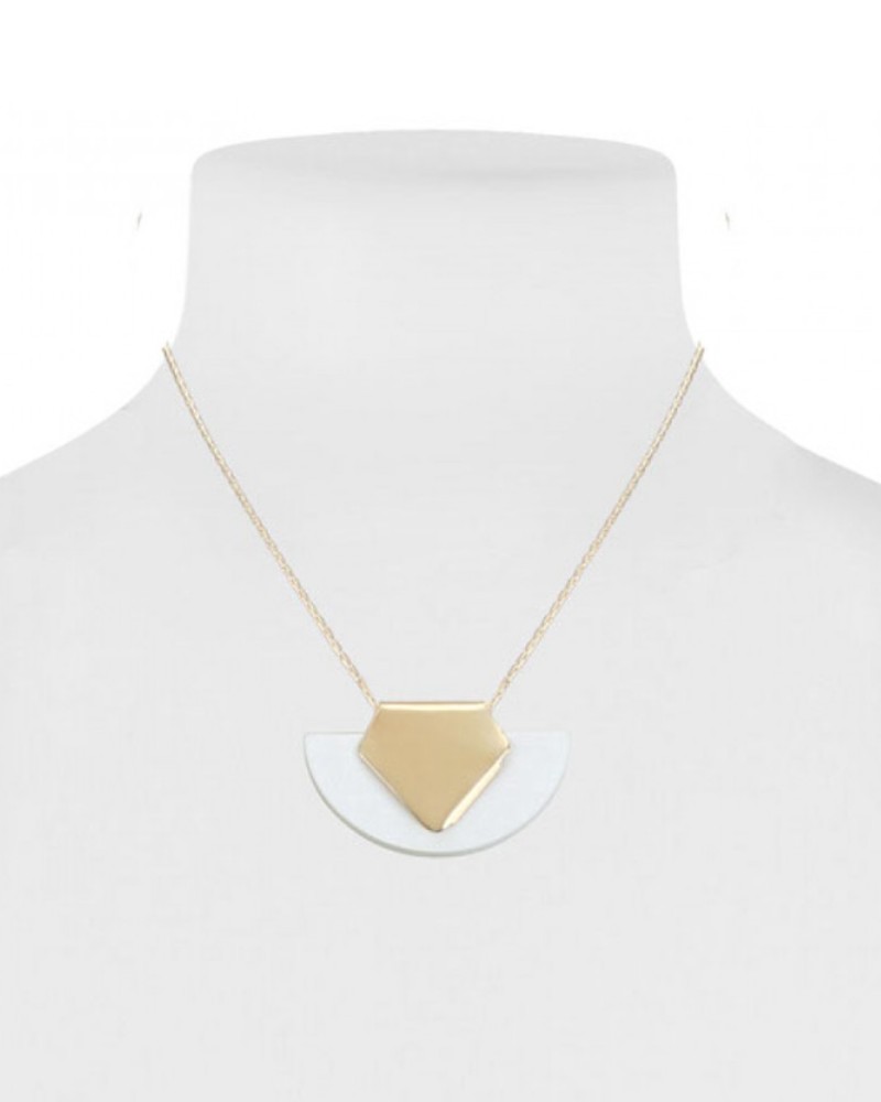 CARACOL CARACOL SHORT NECKLACE PENDANT HALF MOON IVORY