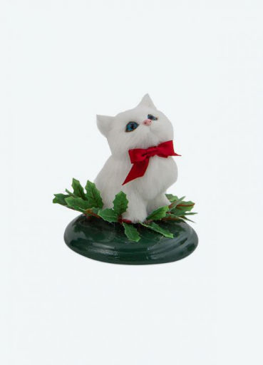 BYERS' CHOICE WHITE CAT WITH HOLLY