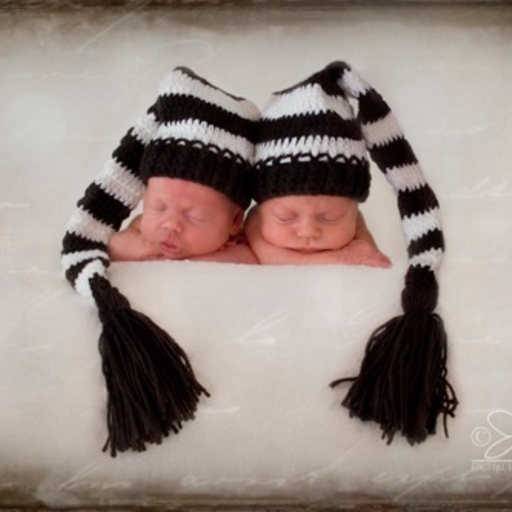 THE DAISY BABY STRIPED TAIL HAT W TASSLE