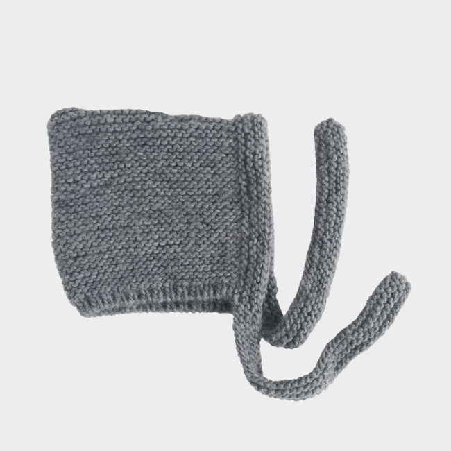 THE BLUEBERRY HILL CLASSIC HAND-KNIT BONNET