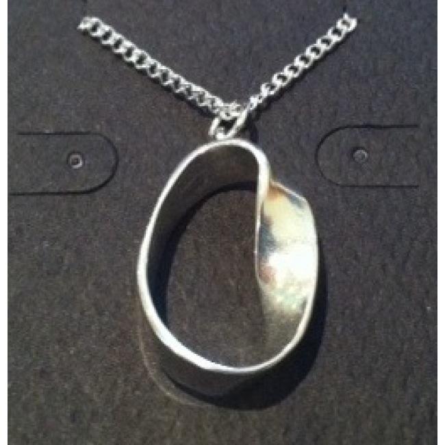 JEWE Möbius Strip Pendant
