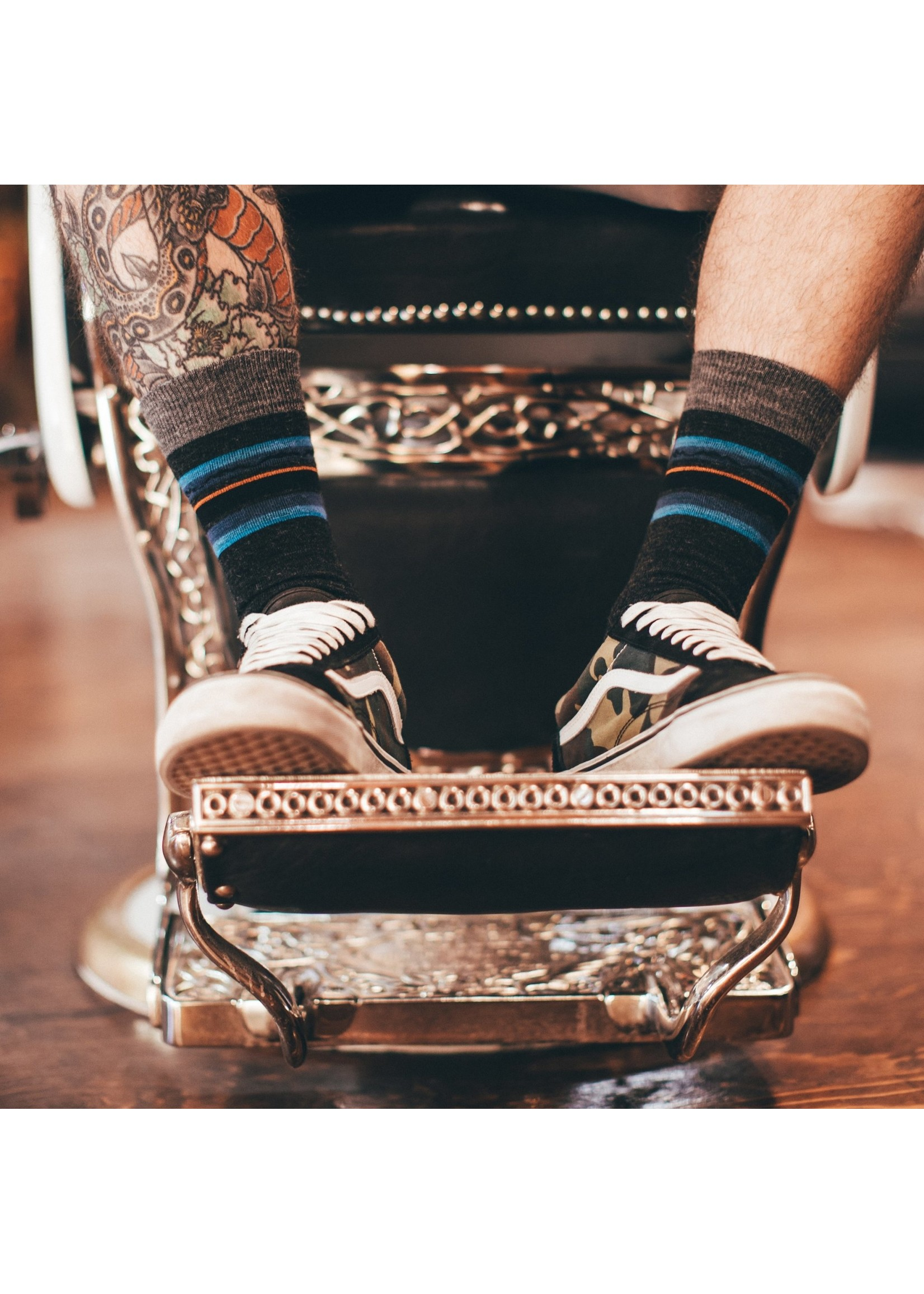 Darn Tough Men's Whetstone Crew Lightweight Lifestyle Socks