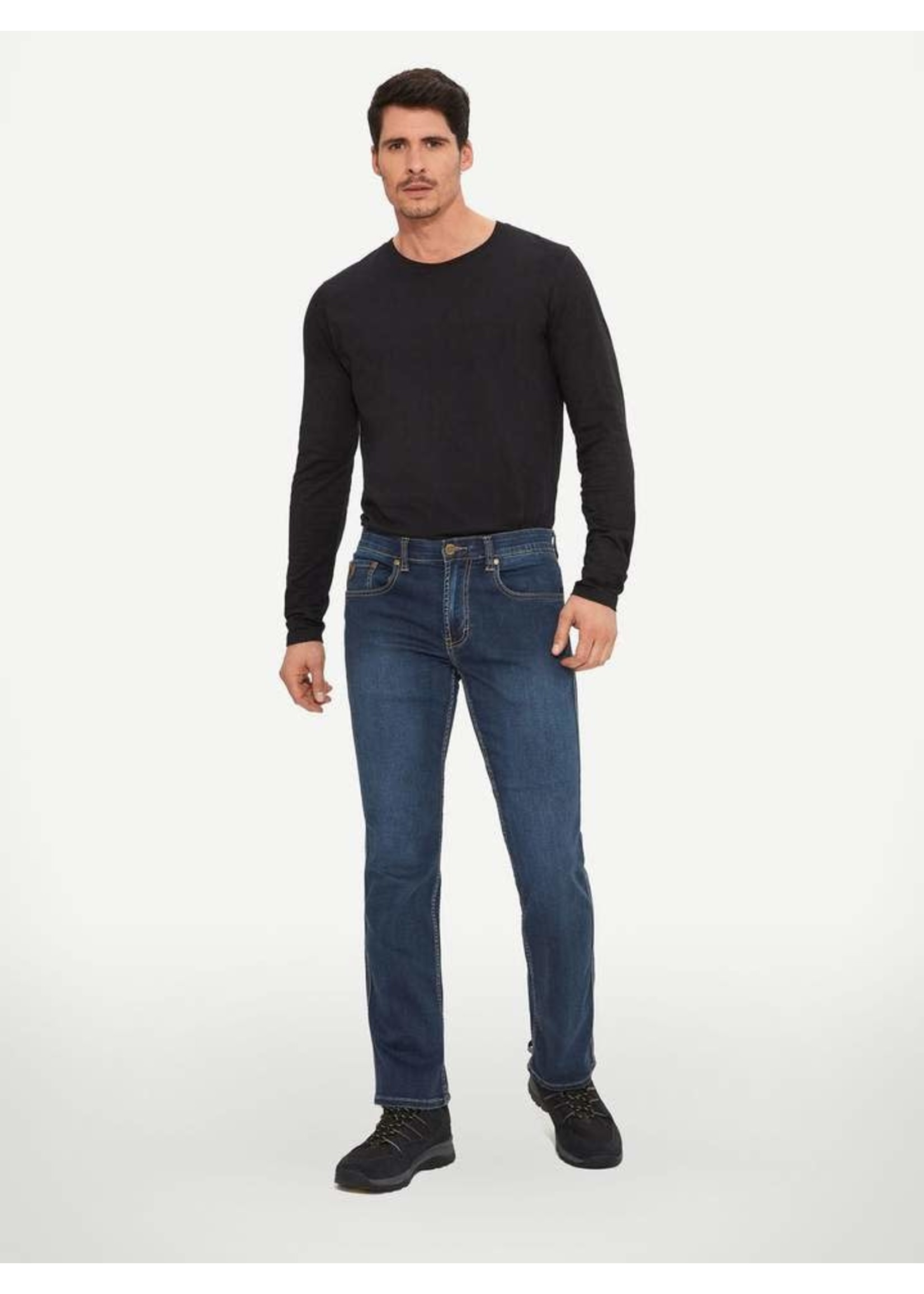 """Lois Jeans Canada The """"Brad-L"""" by Lois Jeans"""