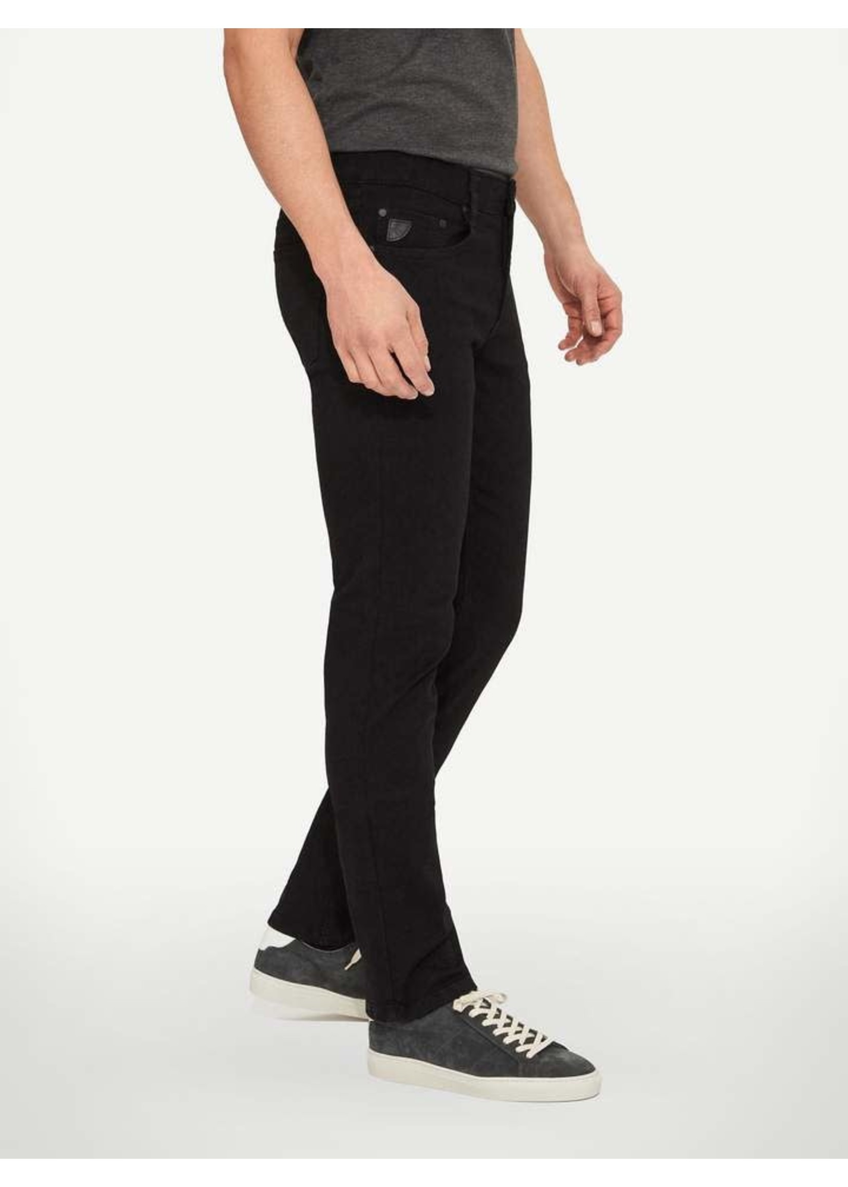 """Lois Jeans Canada The """"Peter Slim 7400"""" by Lois Jeans"""