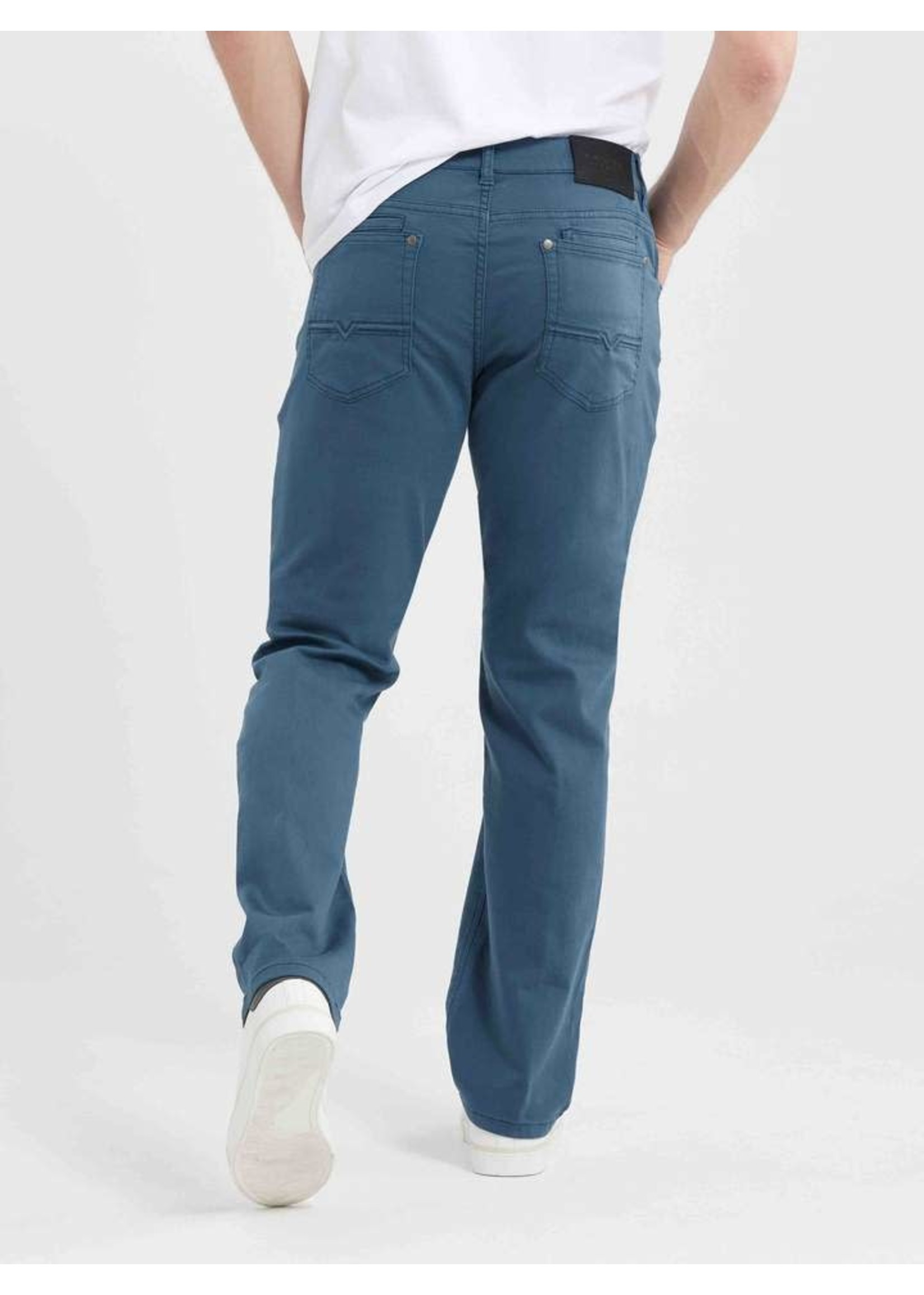 """Lois Jeans Canada The """"Mad 7700-86"""" by Lois Jeans"""
