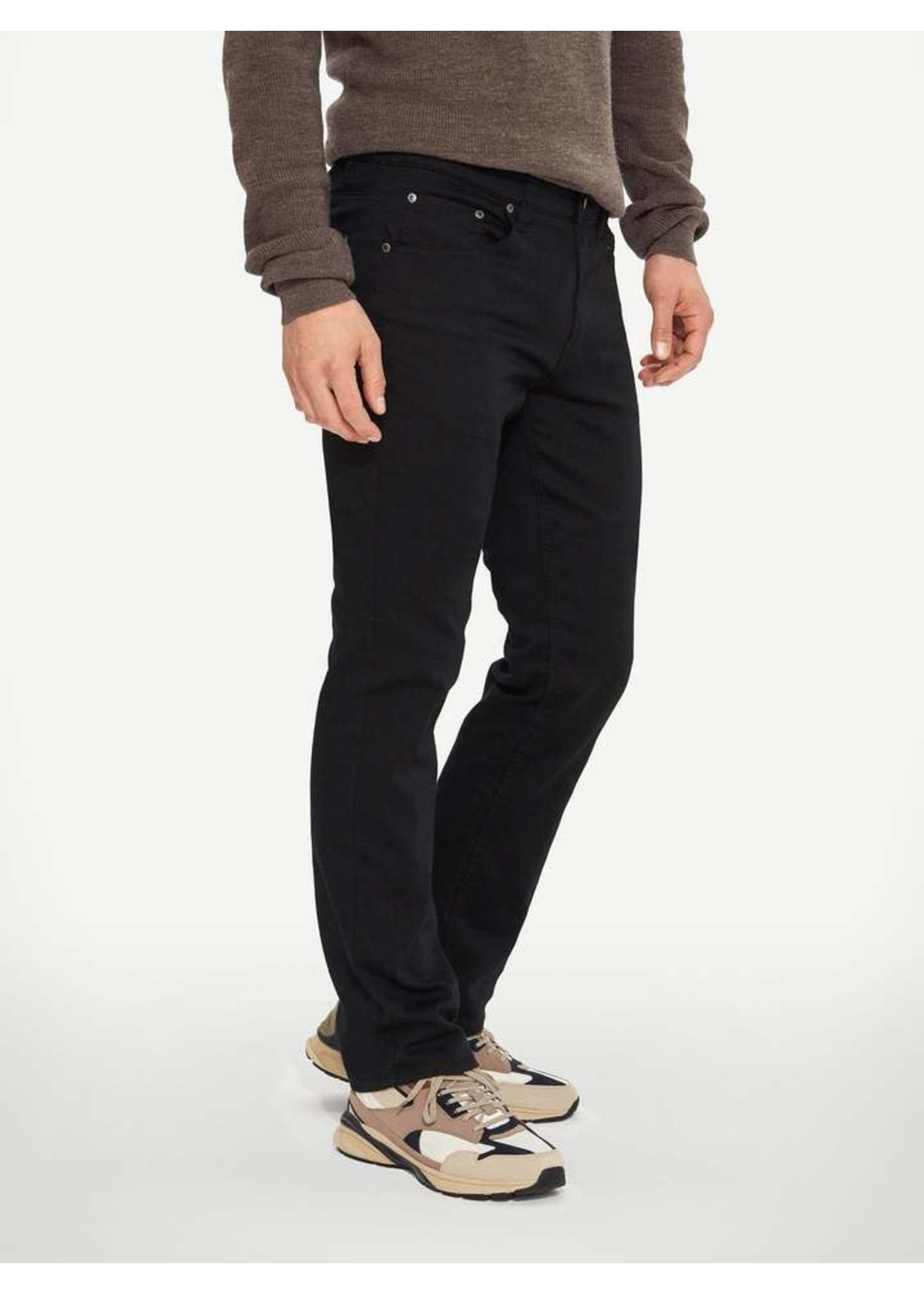 """Lois Jeans Canada The """"Brad Slim 6240-99"""" by Lois Jeans"""