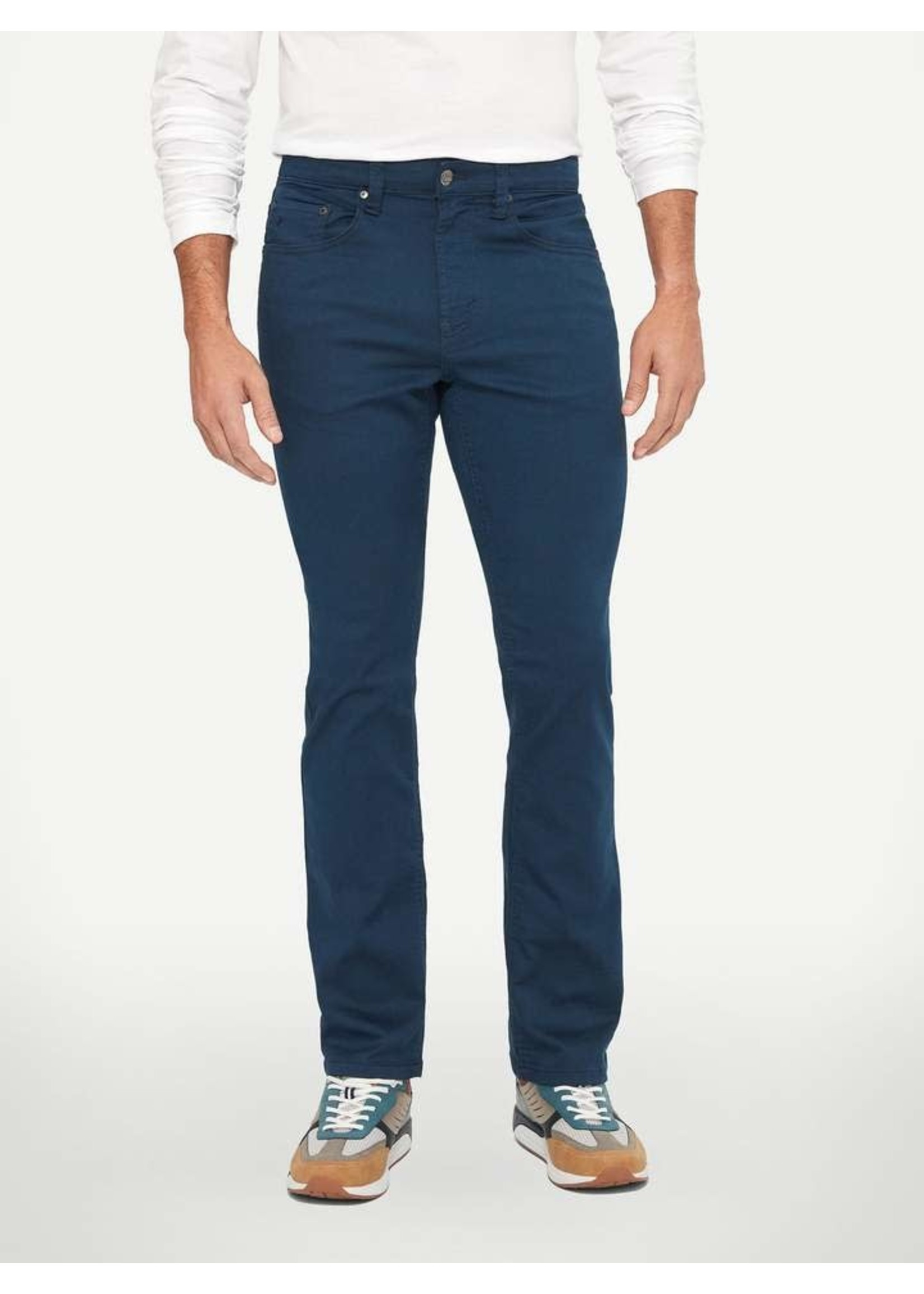 """Lois Jeans Canada The """"Brad Slim 6240-32"""" by Lois Jeans"""